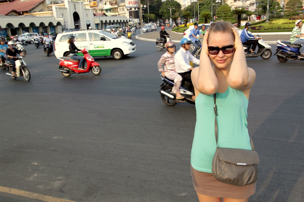 przejscie przez ulice w Sajgonie