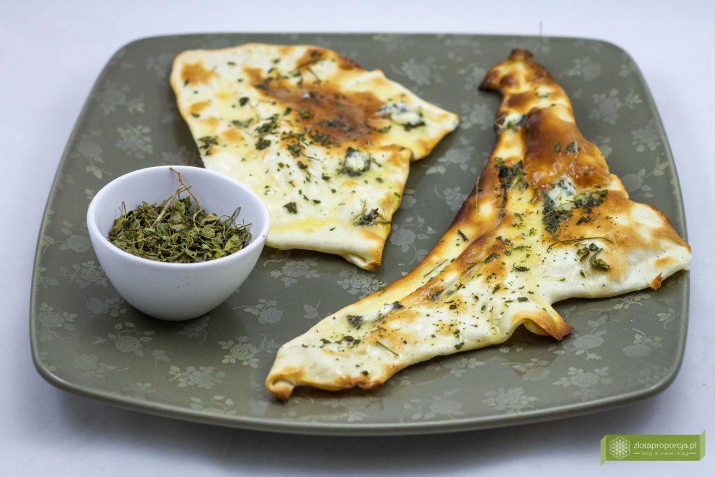 naan; chlebki naan; chlebki naa przepis; kuchnia indyjska; chlebek naan; placki naan; jak zrobić placki naan; indyjskie chlebki;