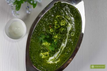 palak paneer; szpinak po indyjsku; kuchnia indyjska;