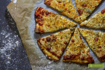 pizza; kuchnia włoska; prawdziwa włoska pizza; pizza przepis; pizza przepisy;