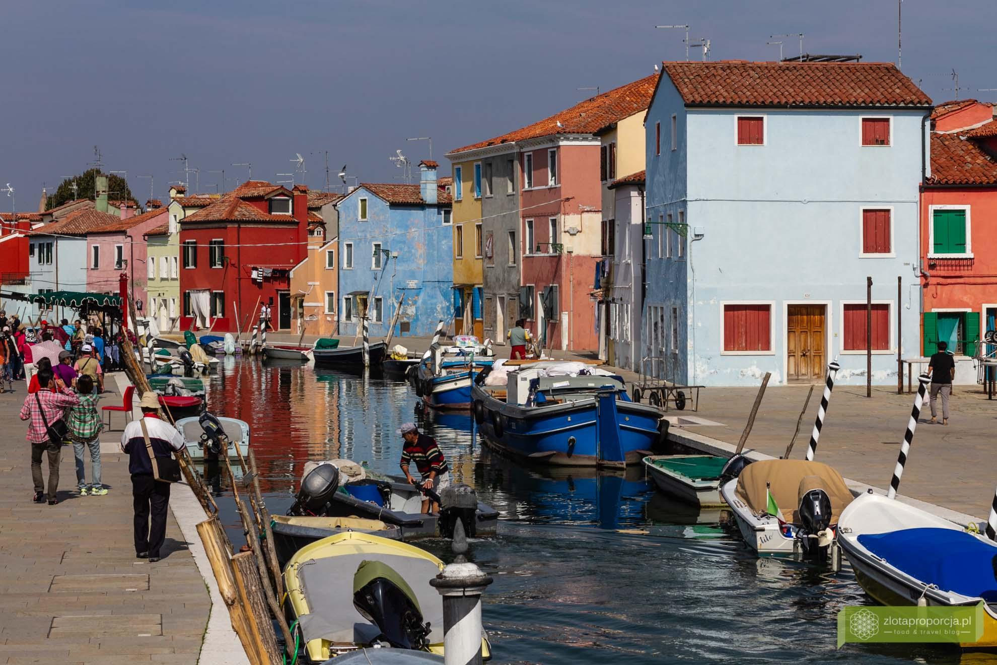 Burano, Wenecja, weneckie wyspy, atrakcje Wenecji; Włochy; atrakcje Włoch; Burano zwiedzanie; Wenecja kolorowa wyspa;
