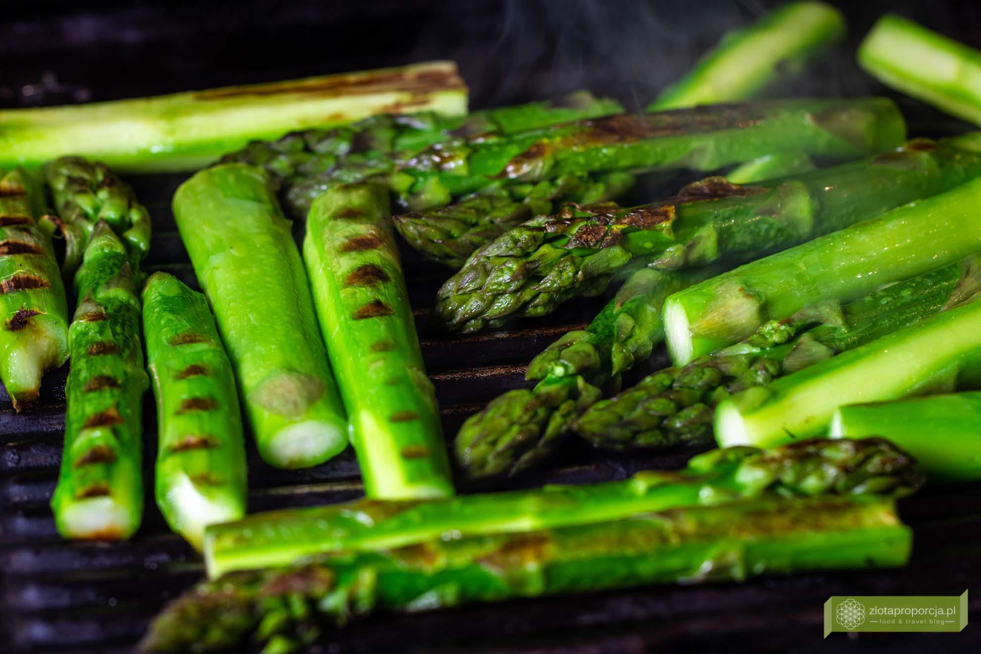 grillowane szparagi, szparagi