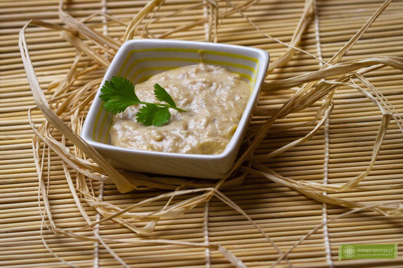 kuchnia Indonezji; kuchnia indonezyjska; potrawy indonezyjskie; sos satay; Indonezyjski sos orzechowy; sos z orzeszków ziemnych;