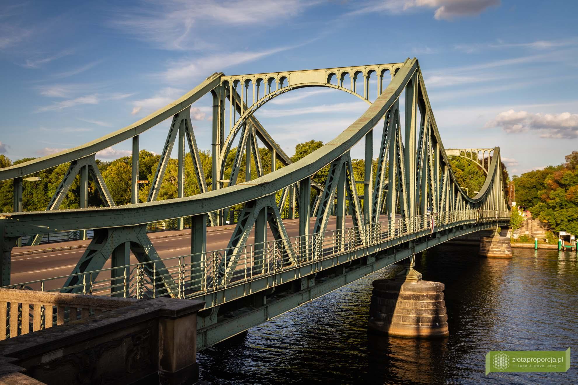 Poczdam, atrakcje Poczdamu, Brandenburgia, atrakcje Brandenburgii; Glienicker Brücke; Most Szpiegów; Poczdam most;