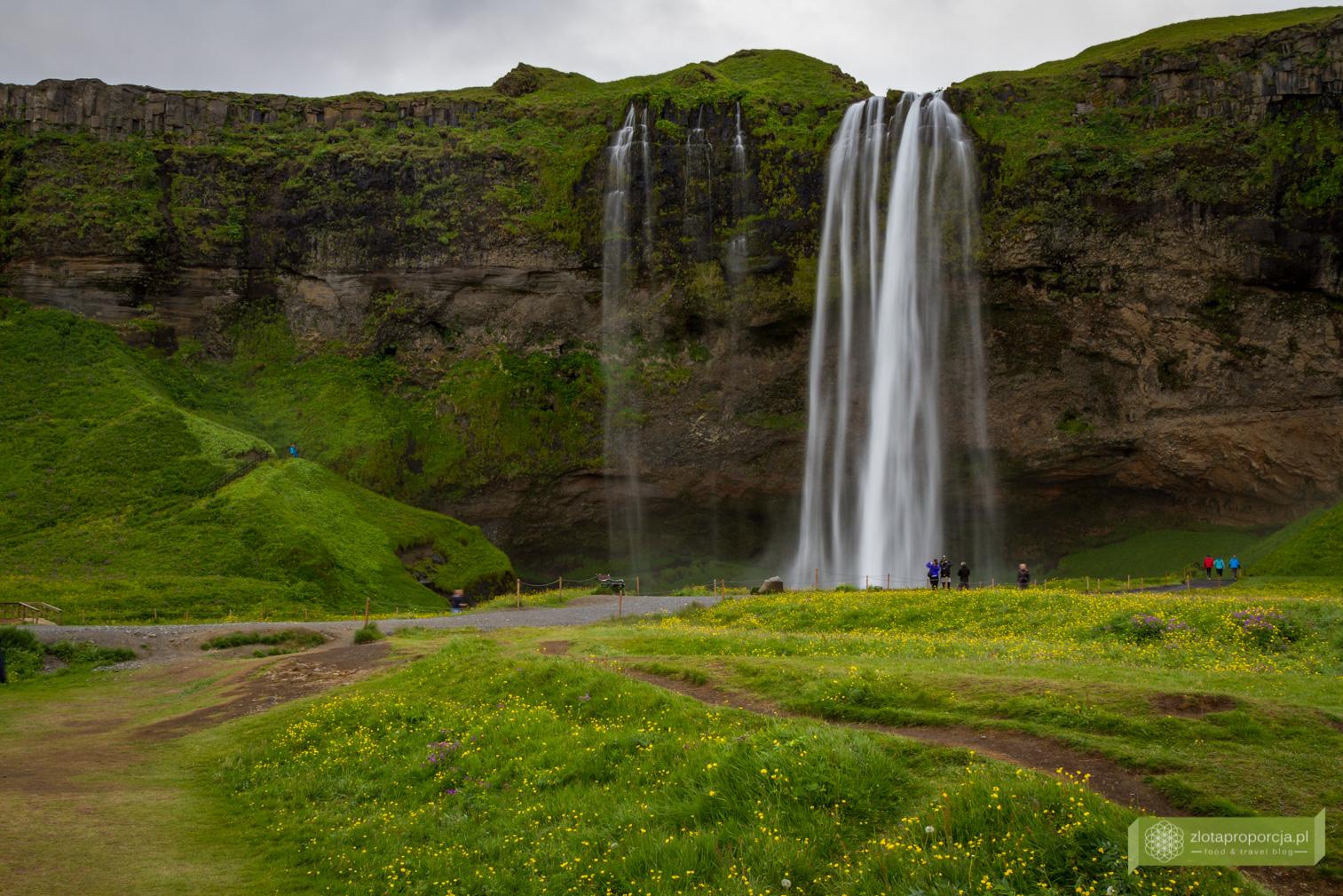 wodospad Seljalandsfoss, Południowo-zachodnia Islandia, Islandia, Islandia atrakcje, wodospady na Islandii, Islandia ciekawe miejsca