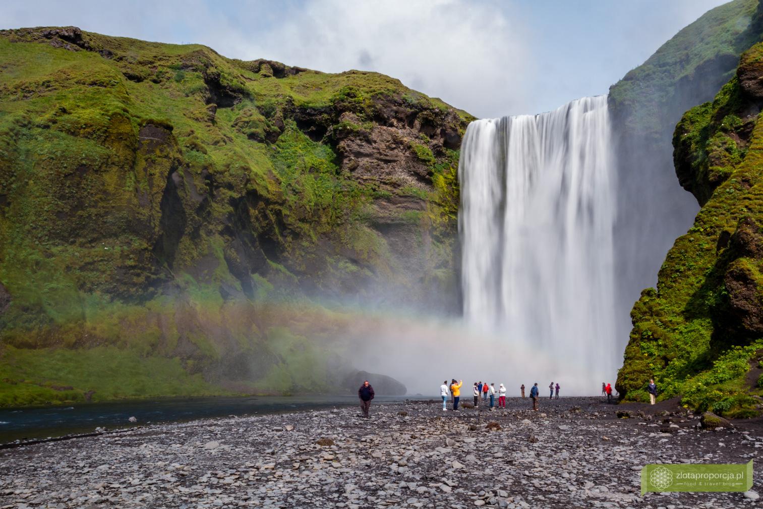 wodospad Skogafoss, Skogafoss, Południowo-zachodnia Islandia, Islandia, Islandia atrakcje, wodospady na Islandii, Islandia ciekawe miejsca