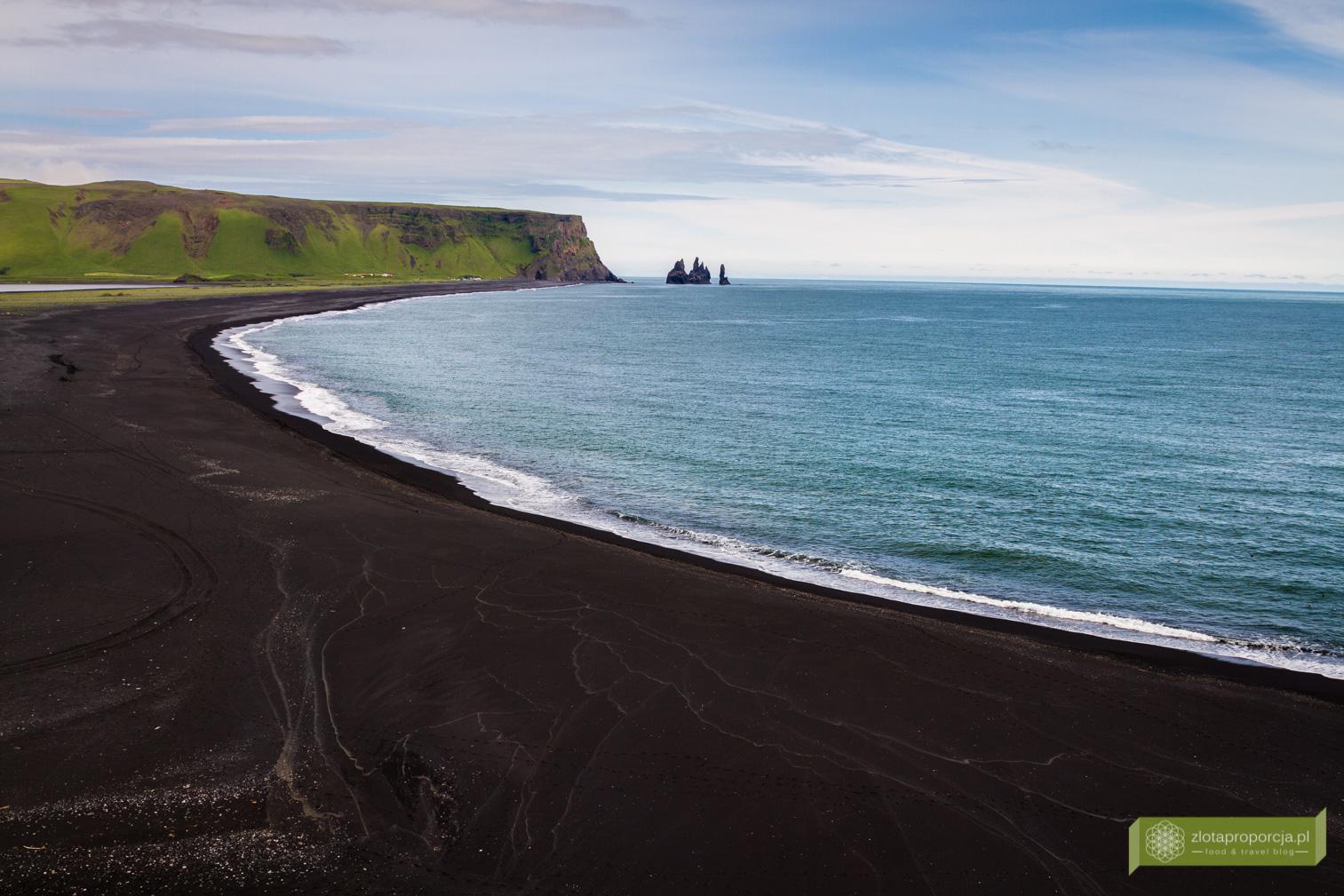 plaża Reynishverfi, czarna plaża, czarna plaża Islandia, plaże Islandii, Południowo-zachodnia Islandia, Islandia, Islandia atrakcje, Islandia ciekawe miejsca