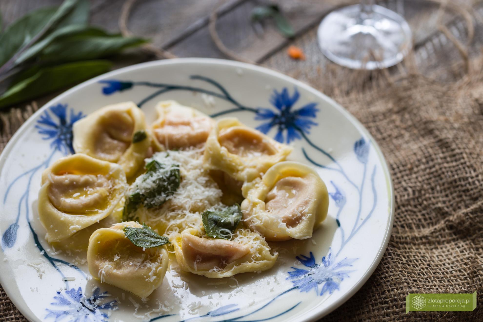 pierogi z dynią, cappellacci di zucca