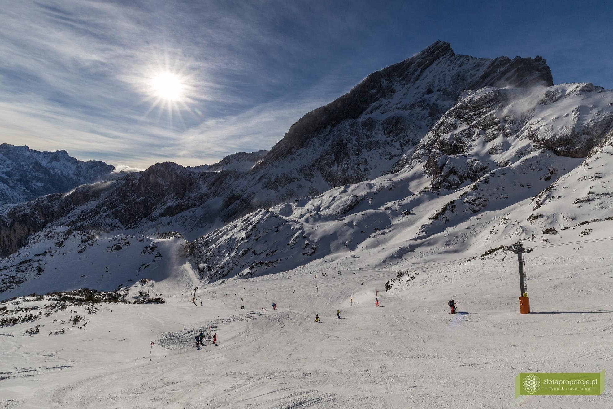 Garmisch-Partenkirchen, Bawaria, narty, snowboard, narty w Niemczech