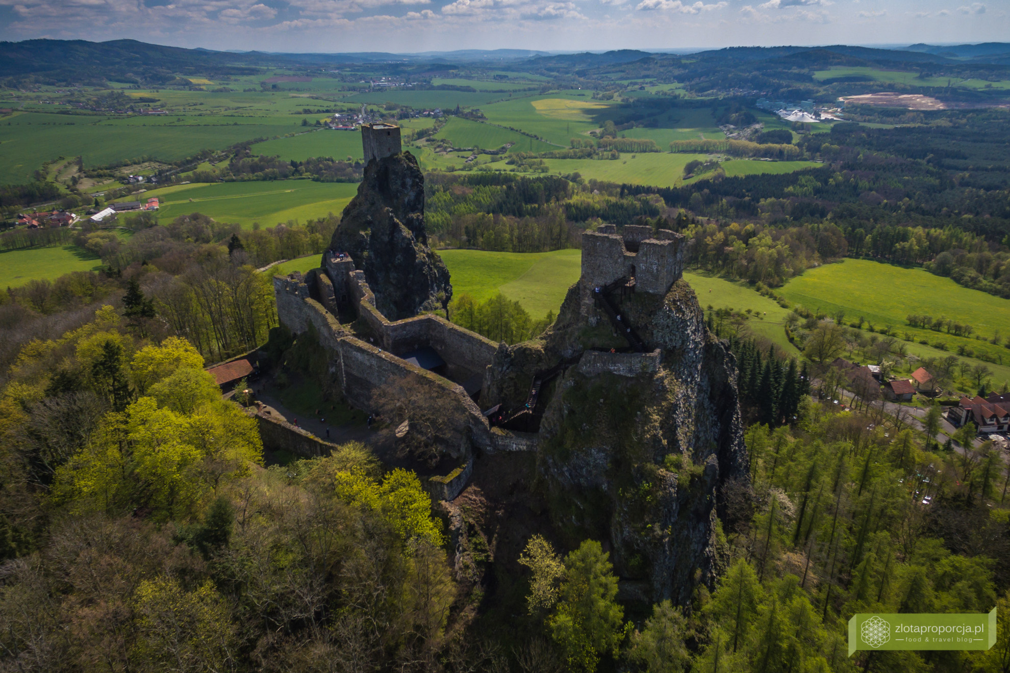 Czeski Raj, Czeski Raj zdjęcia, Czeski Raj miasta skalne, zamek Trosky, symbol Czeskiego Raju