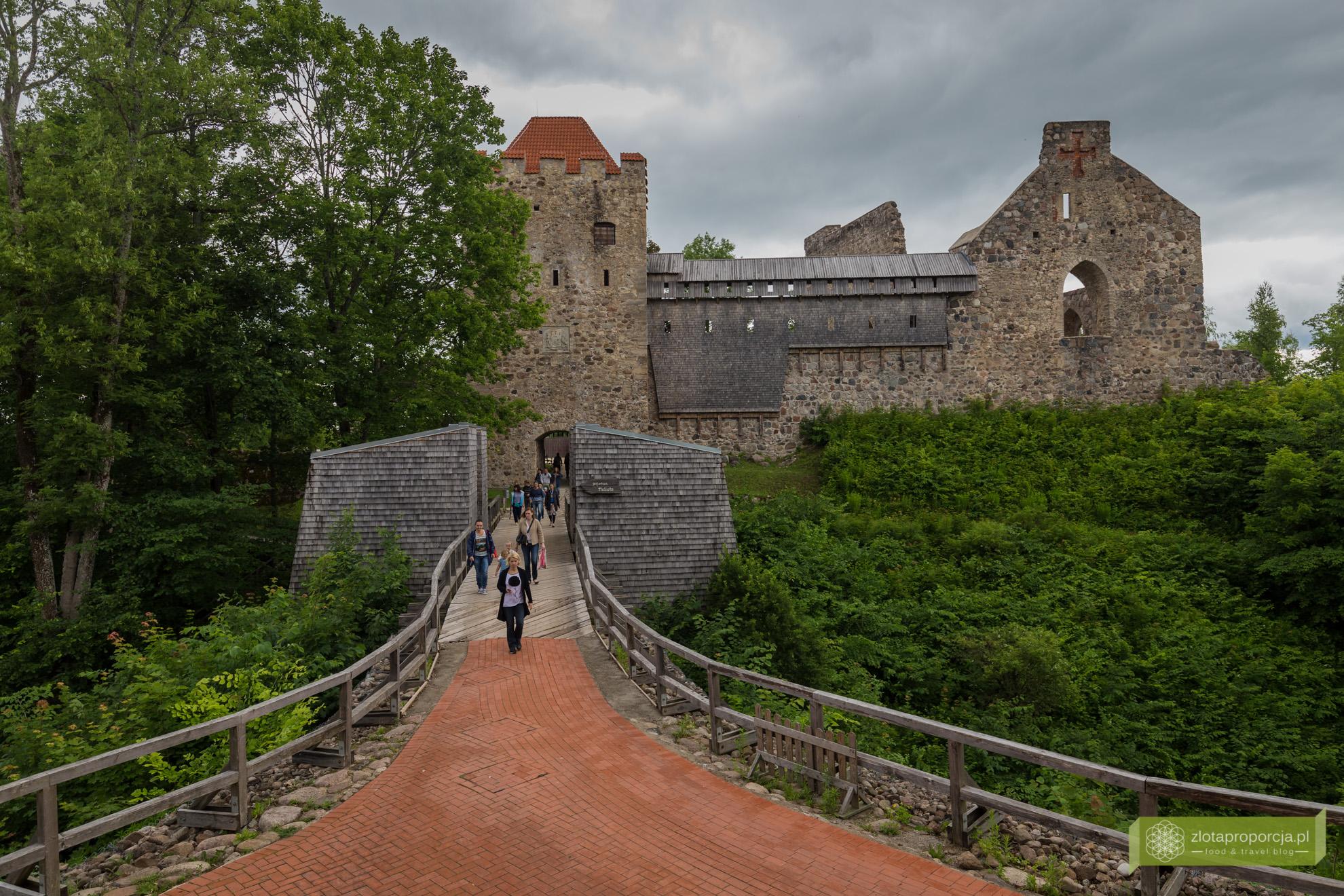 Łotwa, Park Narodowy Gauja, atrakcje Łotwy, Sigulda, zamek Sigulda