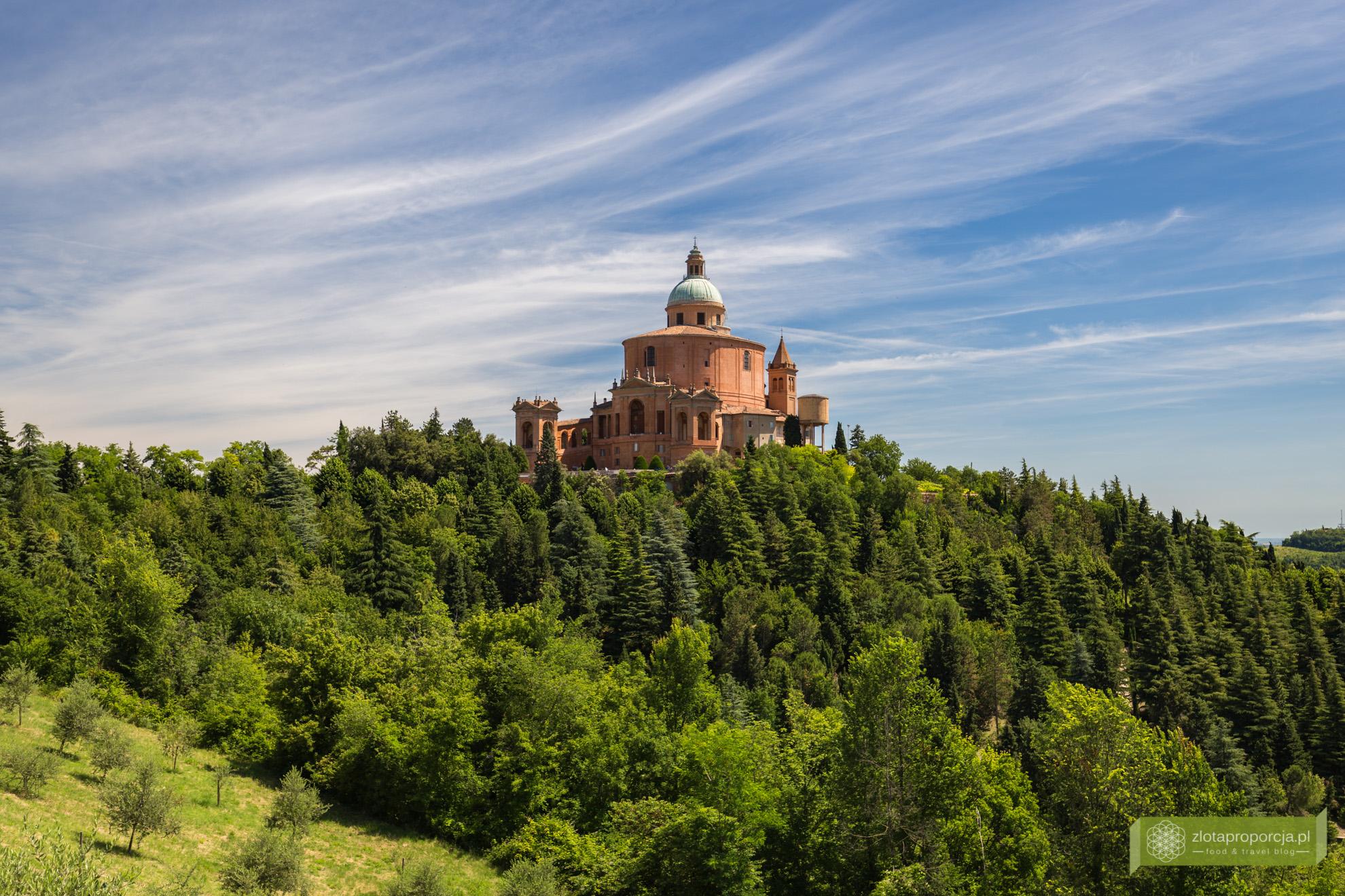 Bolonia, atrakcje Bolonii, zwiedzanie Bolonii, portyki w Bolonii,, Emilia Romania, Sanktuarium Madonna di San Luca