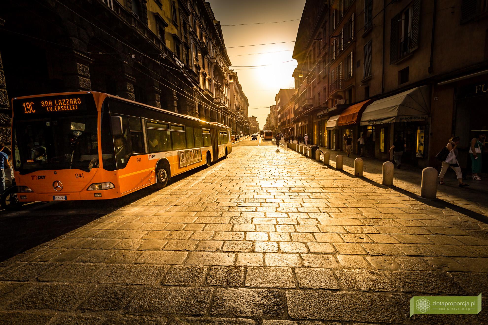 Bolonia, atrakcje Bolonii, zwiedzanie Bolonii, Emilia Romania,
