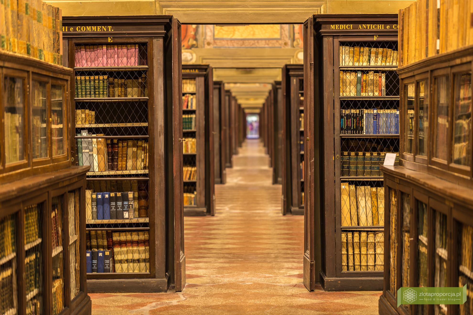 Bolonia, atrakcje Bolonii, Uniwersytet Boloński, Archiginnasio, bibliotek, Emilia Romania
