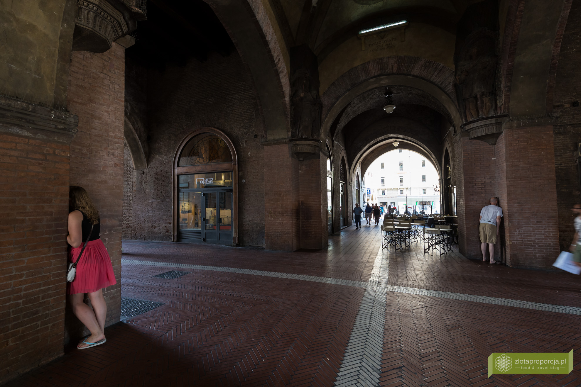Bolonia, atrakcje Bolonii, zwiedzanie Bolonii, sekrety Bolonii, siedem sekretów Bolonii, Voltone del Podestà, Emilia Romania,