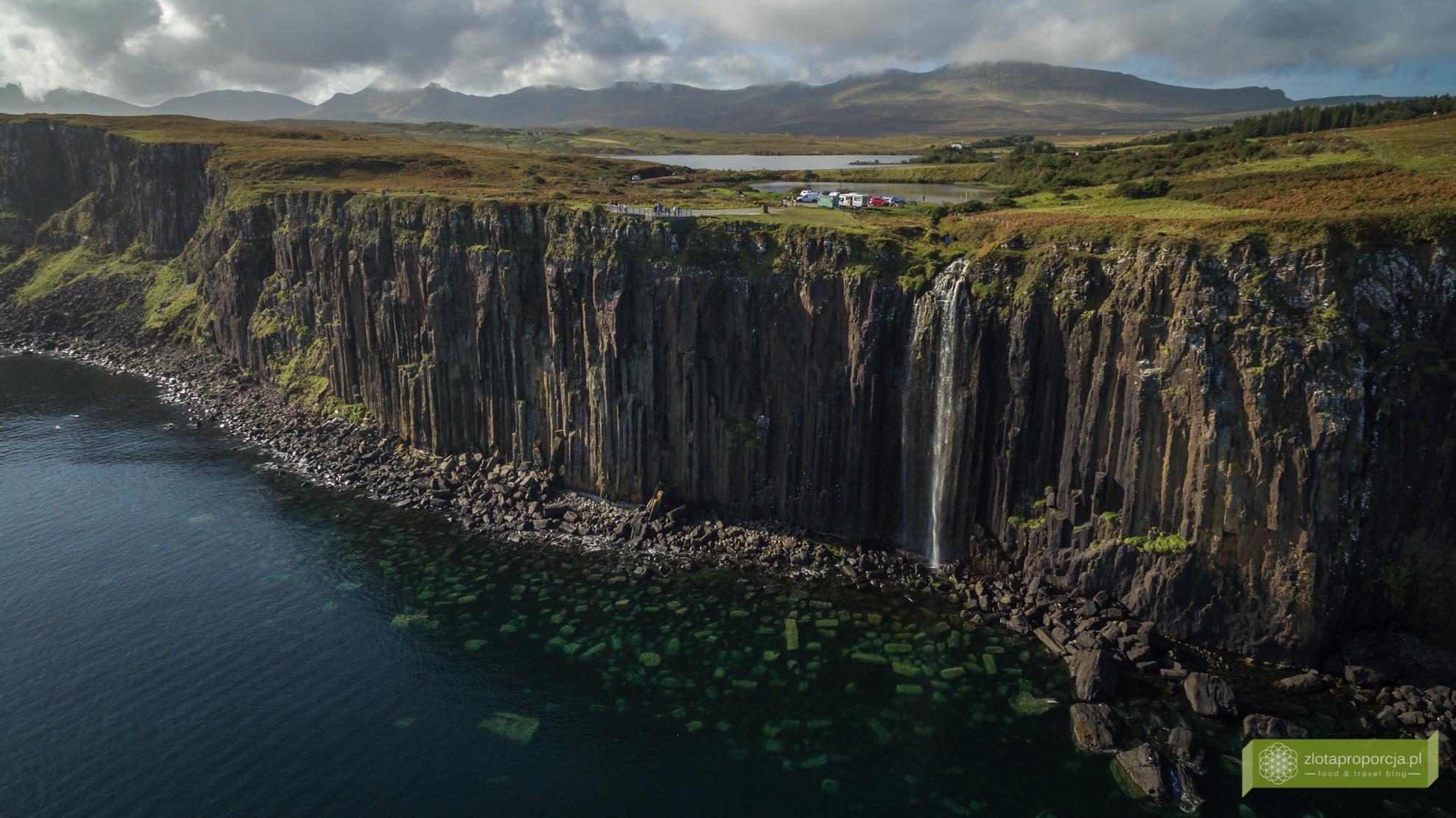 Kilt Rock, wodospad Mealt Falls, klify w Szkocji, Isle of Skye, Wyspa Skye, atrakcje Szkocji, atrakcje Wyspy Skye