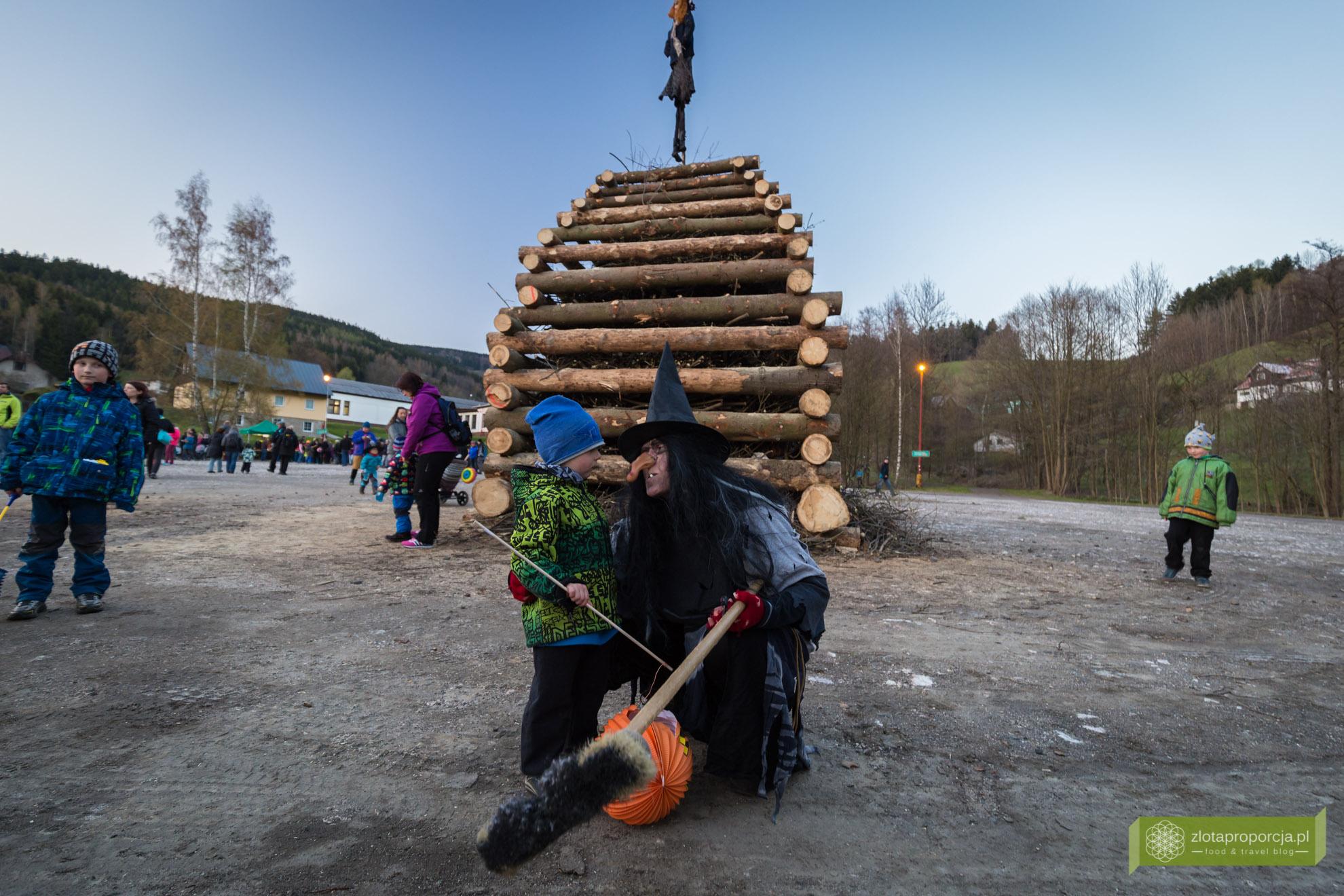 Palenie czarownic w Czechach, święto palenia czarownic, Czechy, atrakcje Czech