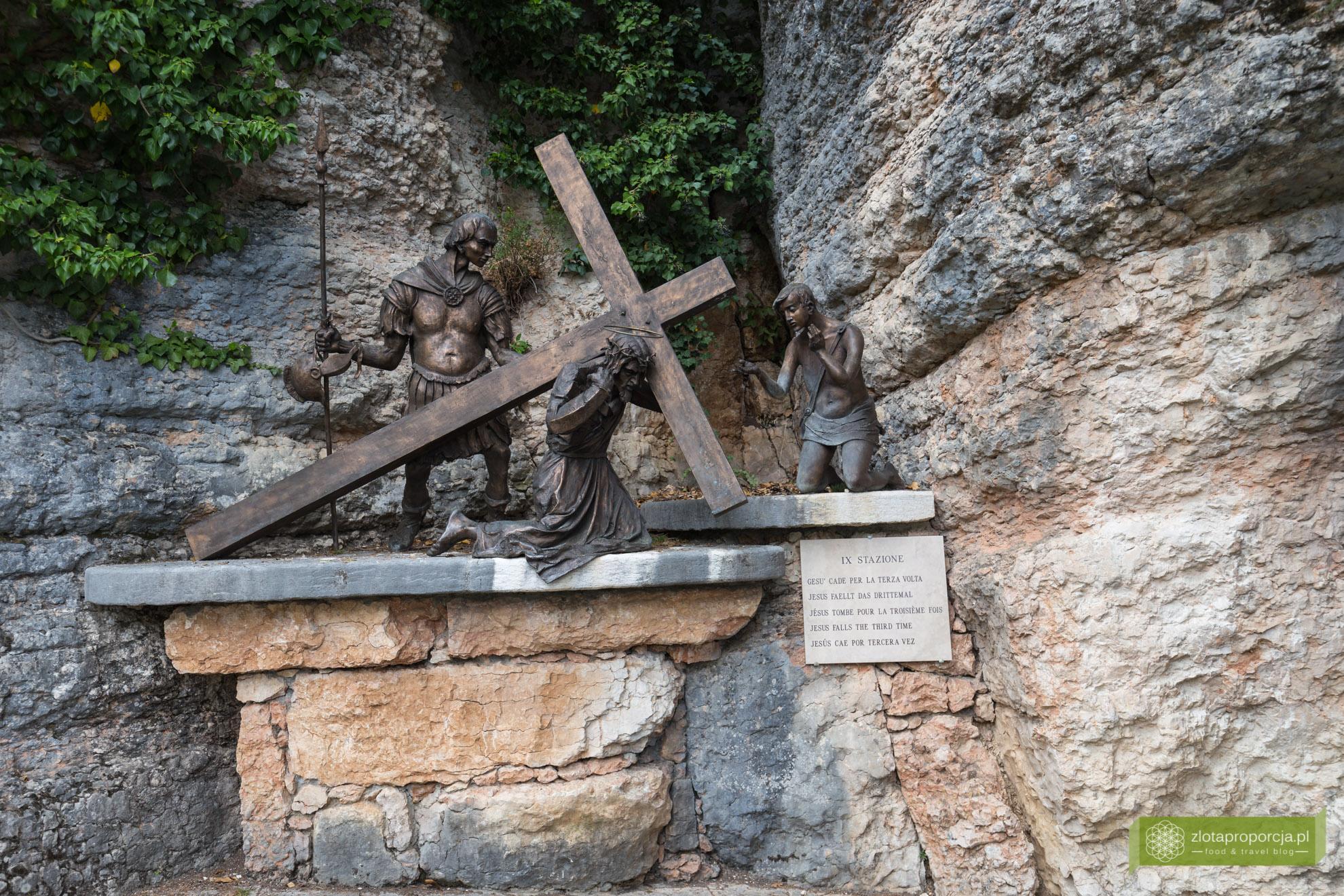 Sanktuarium Madonna della Corona, Spiazzi, okolice Werony, okolice Jeziora Garda, Wenecja Euganejska, droga krzyżowa