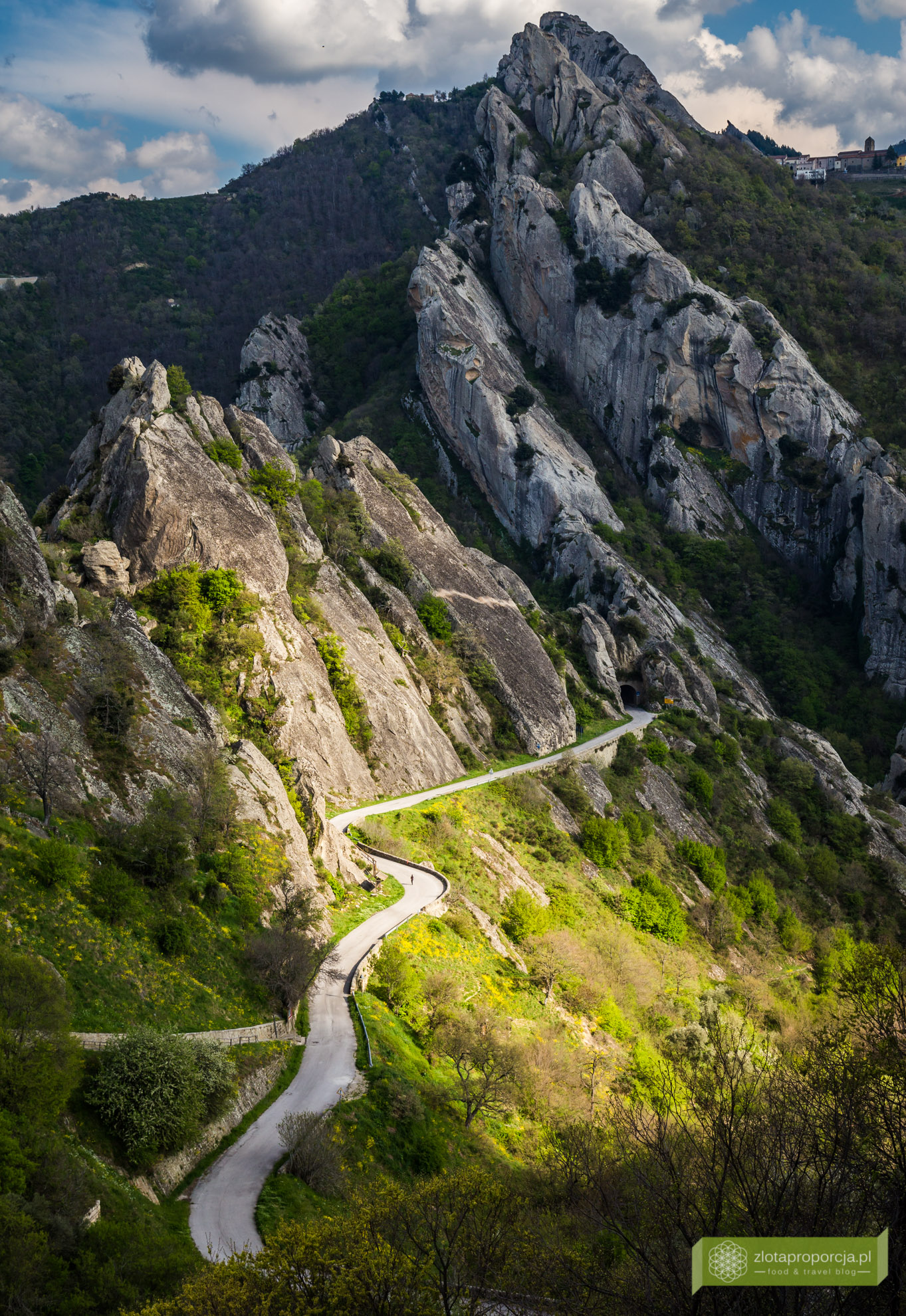 Bazylikata, atrakcje Bazylikaty, Castelmezzano, Dolomity Lukańskie