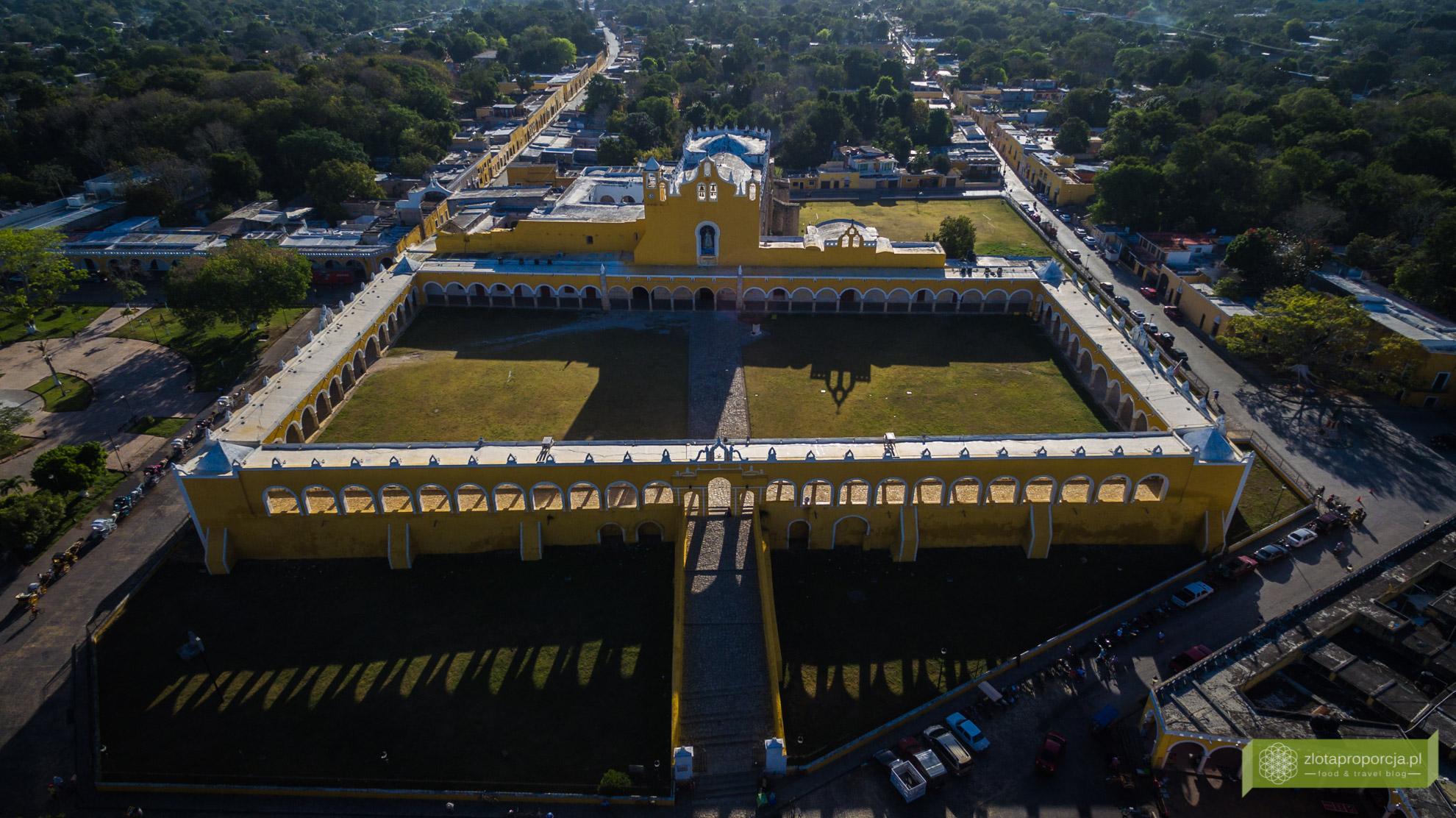 Izamal, żółte miasto, Jukatan, Jukatan atrakcje, Meksyk, konwent w Izamal