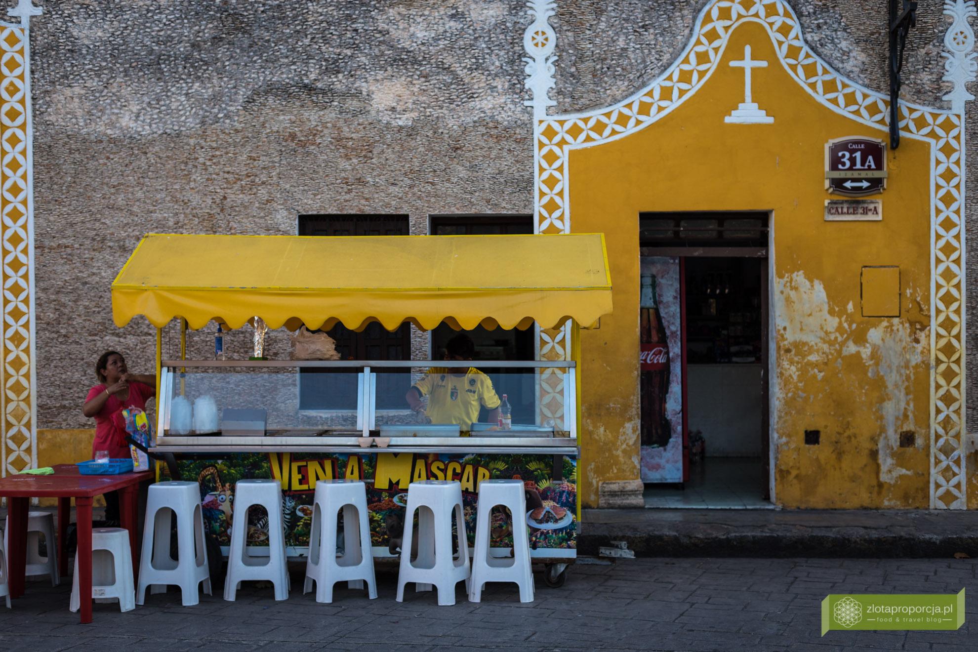 Izamal, żółte miasto, Jukatan, Jukatan atrakcje, Meksyk, tacos, Taqueria