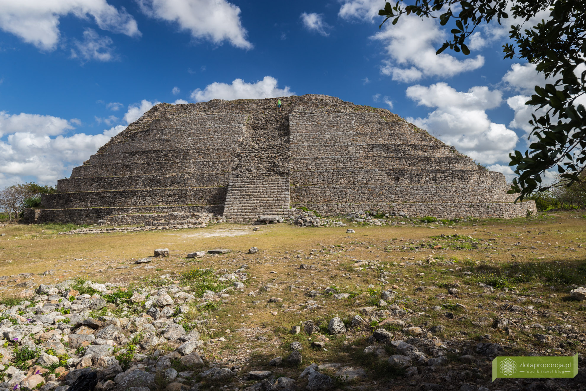 Izamal, żółte miasto, Jukatan, Jukatan atrakcje, Meksyk, piramidy w Izamal, Wielka Piramida