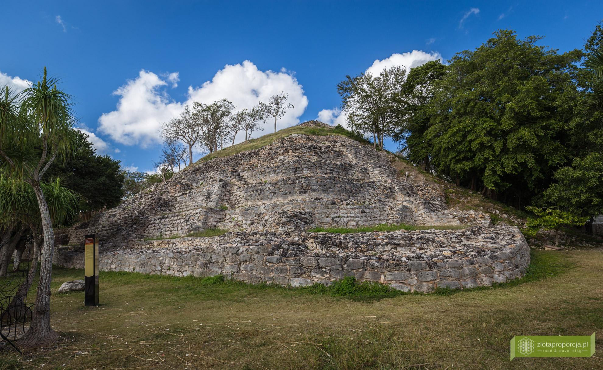 Izamal, żółte miasto, Jukatan, Jukatan atrakcje, Meksyk, piramidy w Izamal