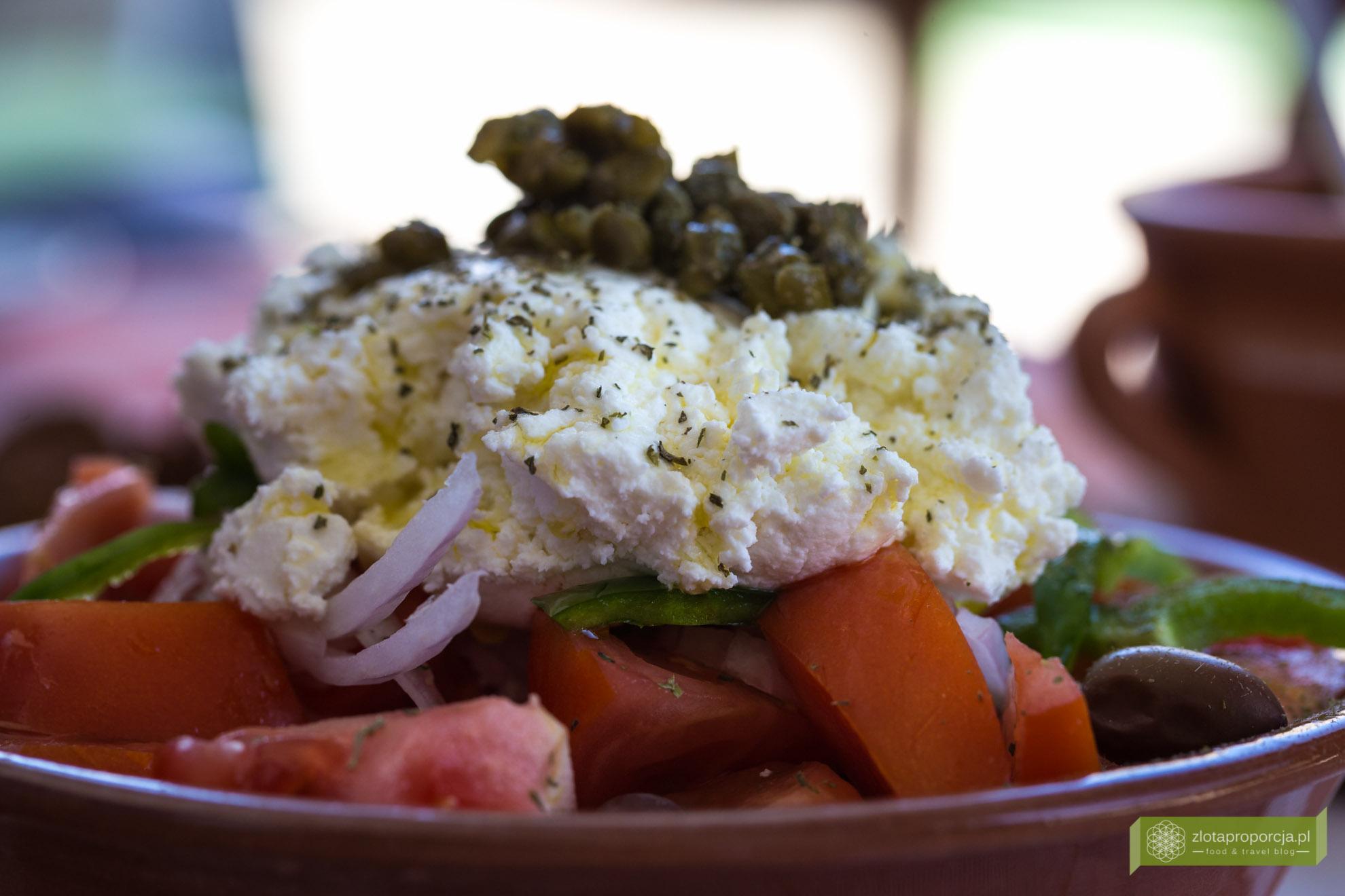 Sifnos, Cyklady, kuchnia Sifnos, kuchnia Cyklad, kuchnia grecka, Grecja, sałatka grecka, ser mizithra