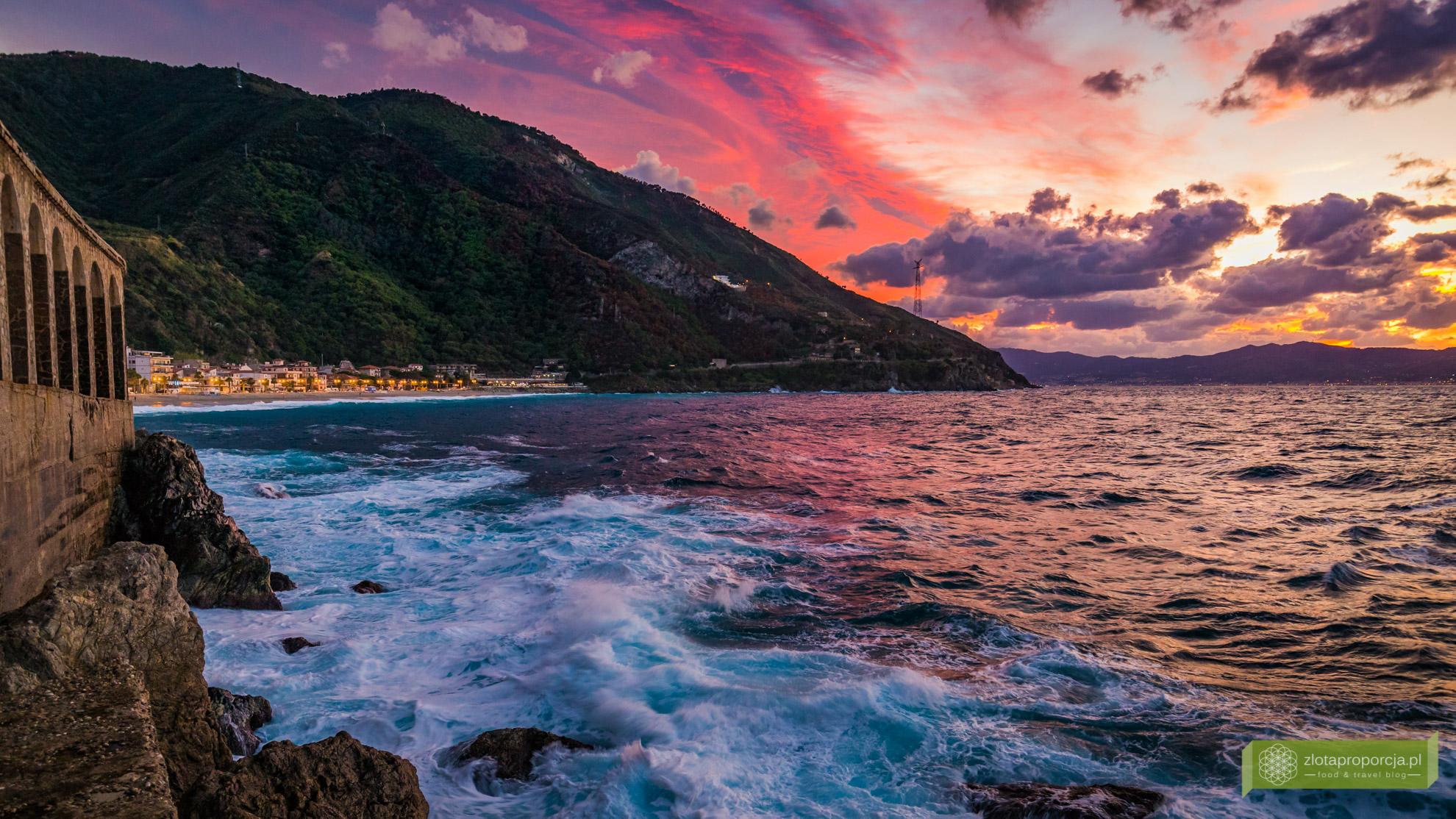 Scilla, Kalabria, Scilla atrakcje, Scilla co zobaczyć, Chianalea, Włochy, Kalabria atrakcje, zachód słońca Scilla, Costa Viola, Fioletowe Wybrzeże