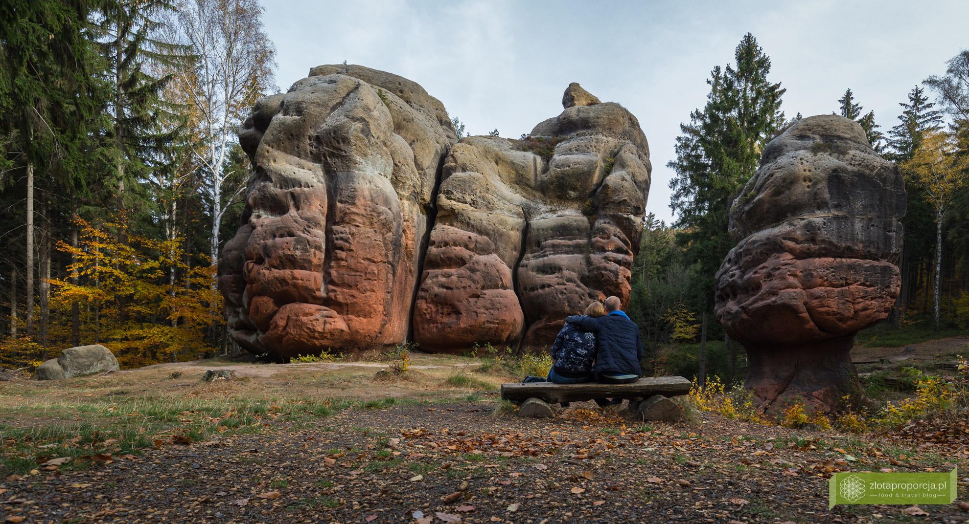 Oybin, klasztro Oybin, Góry Żytawskie, Saksonia, atrakcje Saksonii, skały Kelchstein
