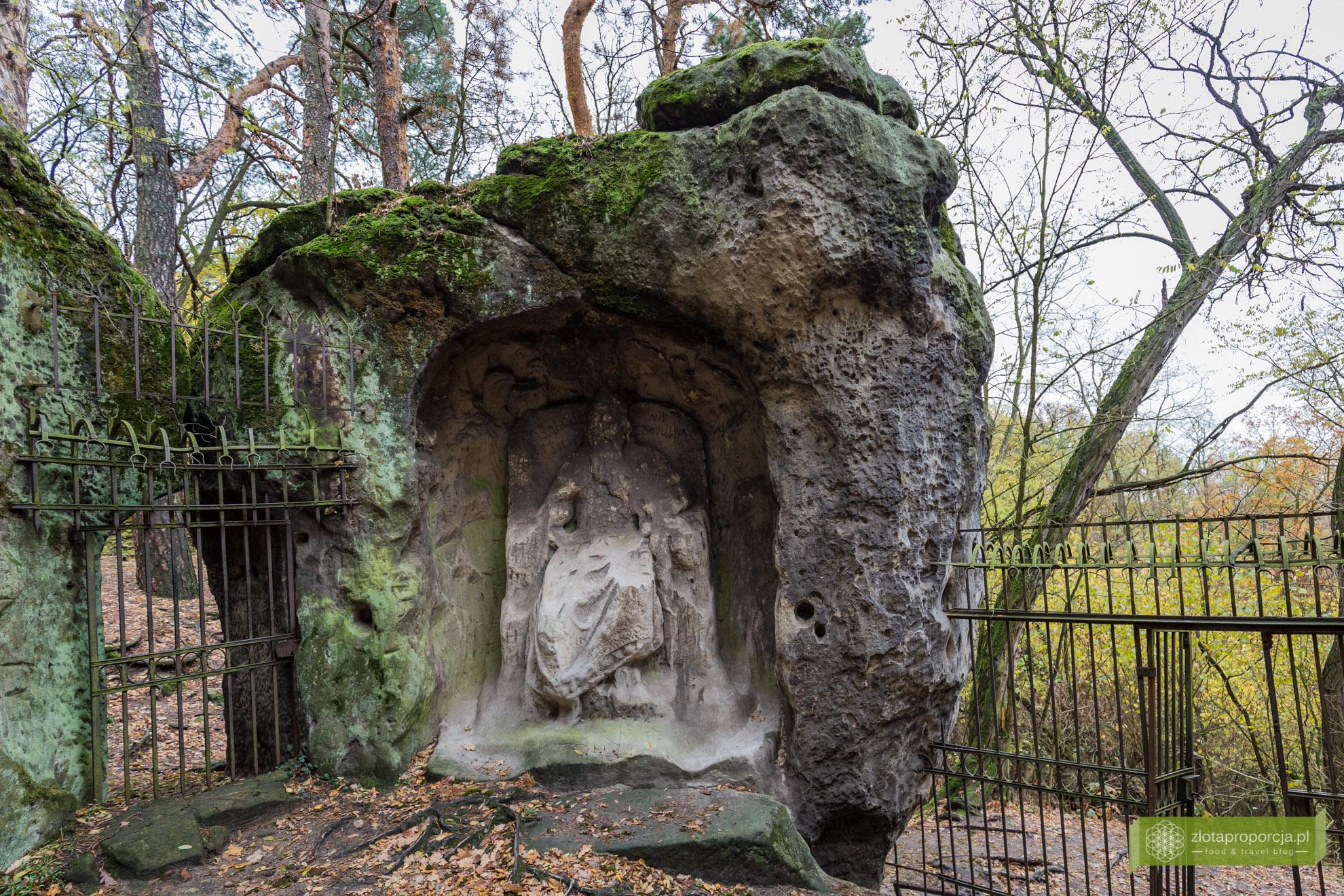 Klacelka, Kokorinsko, atrakcje Kokorinsko, sklane rzeźby Vaclava Levy, okolice Pragi, Czechy