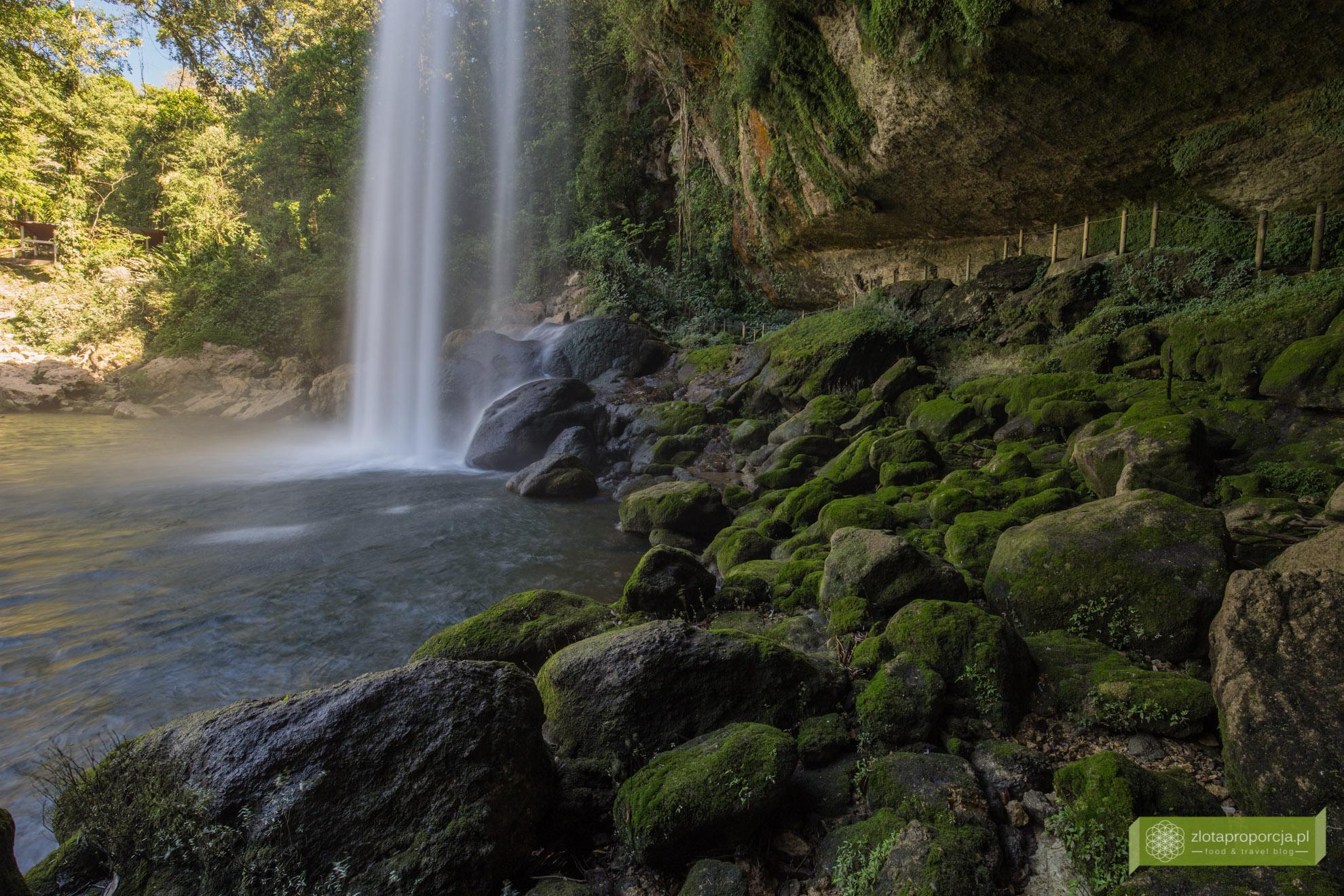 wodospad Misol-Ha, Meksyk, atrakcje Meksyku, Chiapas, okolice Palenque;