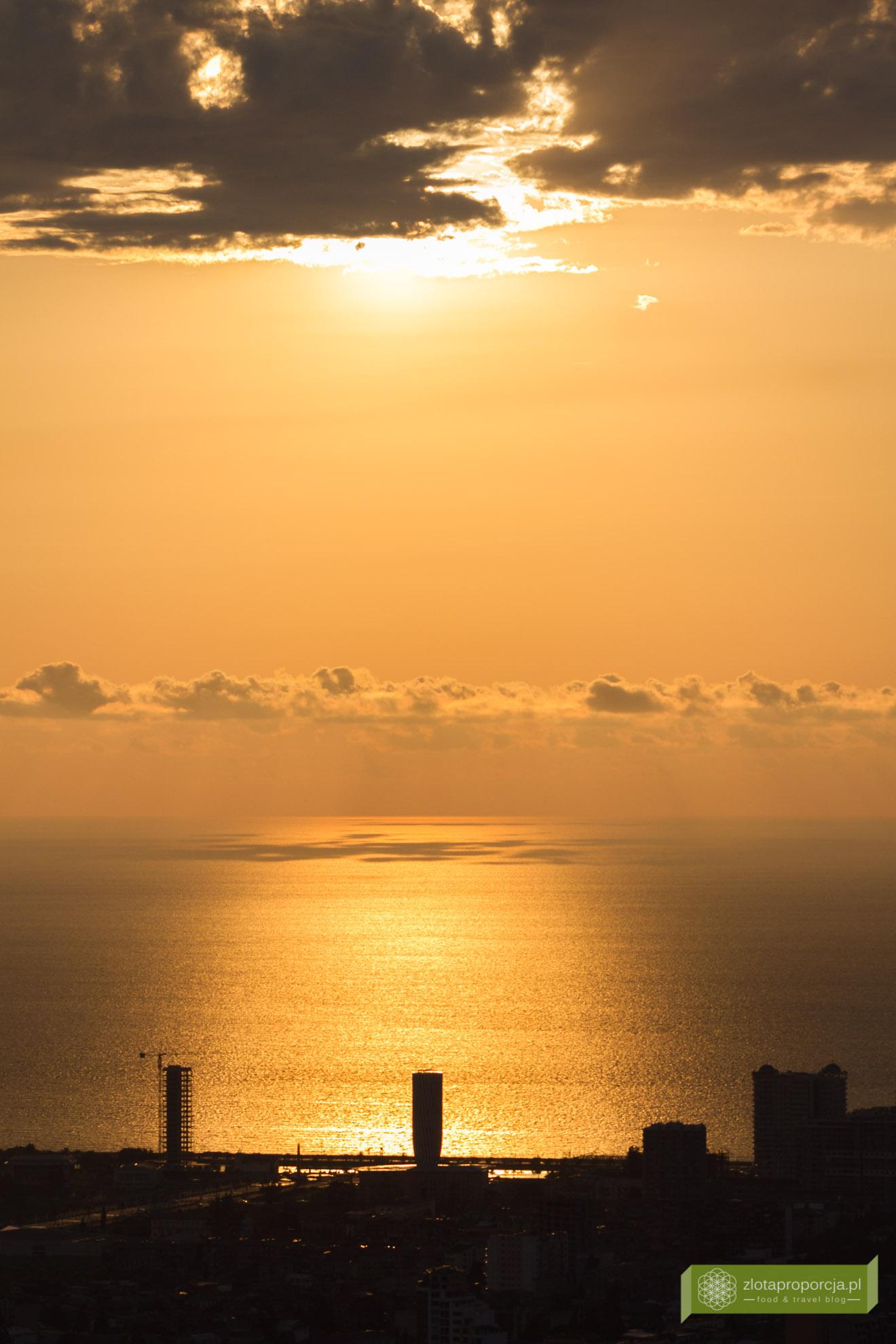 Batumi, Gruzja, Adżaria, atrakcje Batumi, co zobaczyć w Batumi, atrakcje Gruzji; kolejka linowa w Batumi, zachód słońca w Batumi
