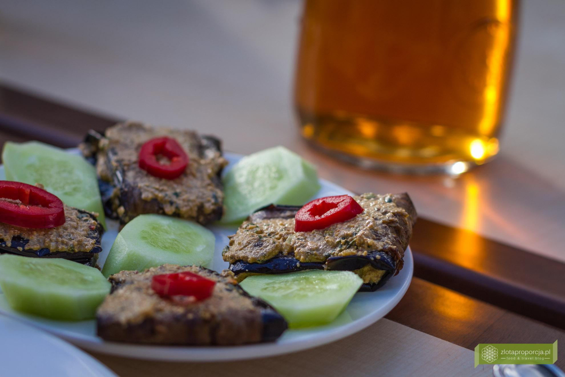 Gruzja, kuchnia gruzińska, gruzińskie potrawy, co zjeść w Gruzji; badridżani