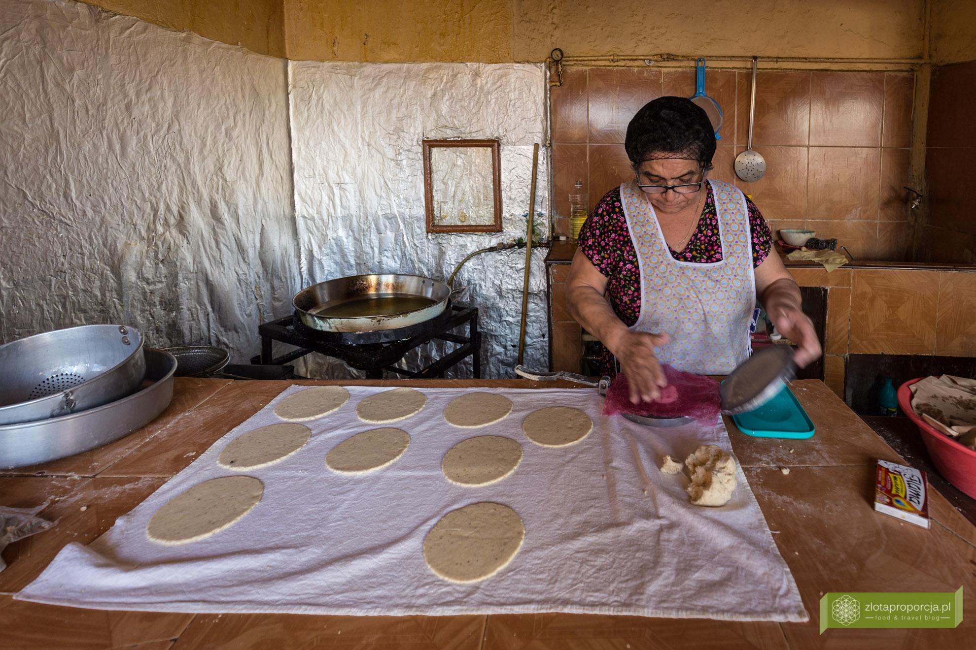 kuchnia Jukatanu, kuchnia meksykańska, meksykańskie potrawy, potrawy na Jukatanie, meksykański street food, panuchos