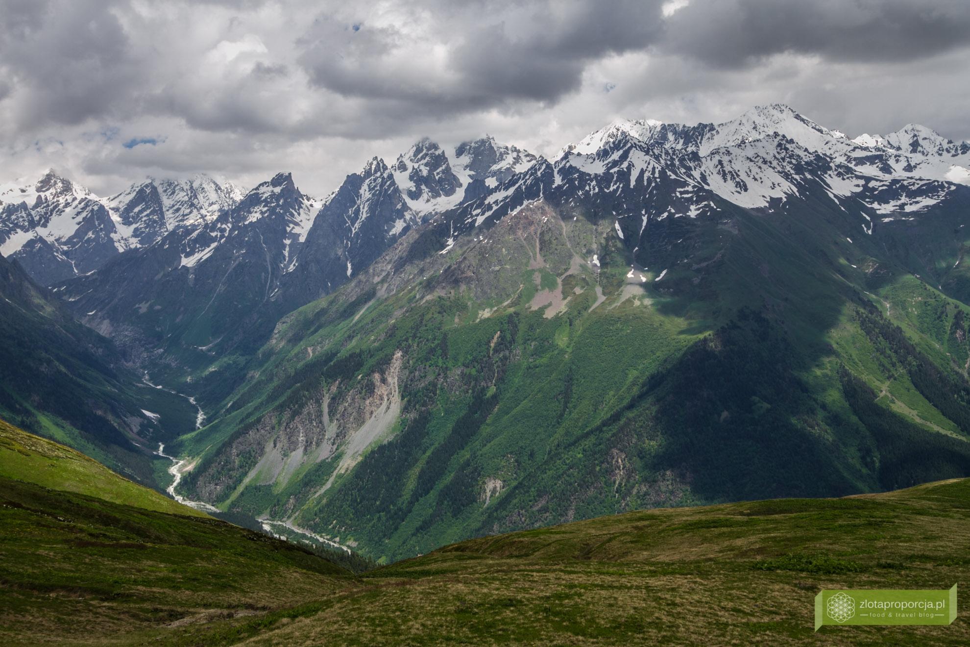 Mestia, Swanetia, Gruzja, atrakcje Gruzji, atrakcje Swanetii, trekking w Swanetii;