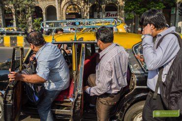 Indie, transport w Indiach; jak się podróżuje w Indiach; komunikacja w Indiach; taksówki w Indiach