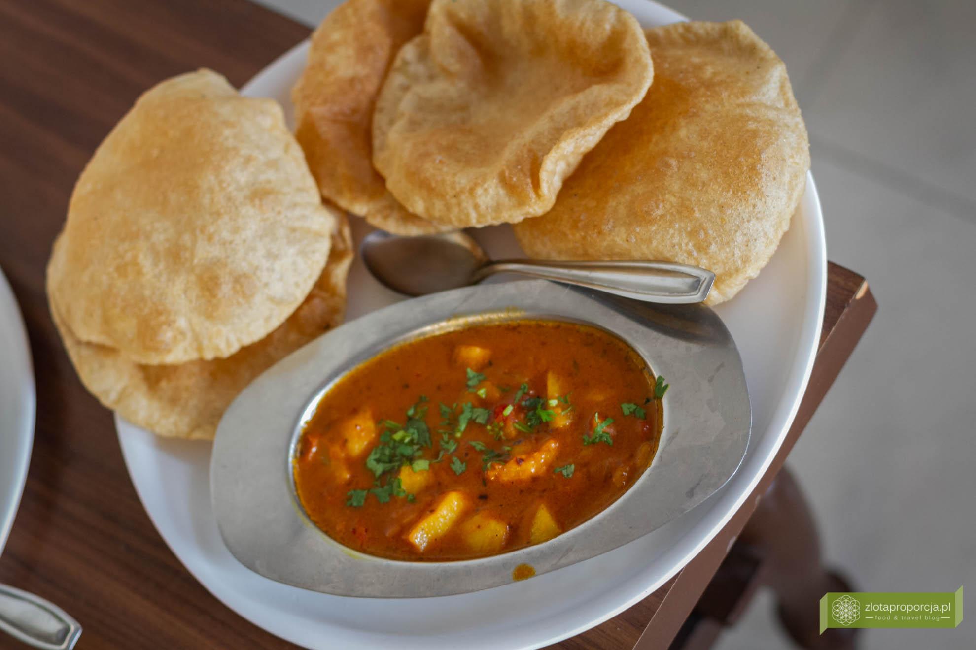 Indie, kuchnia indyjska, indyjskie potrawy, Aloo Poori Masala
