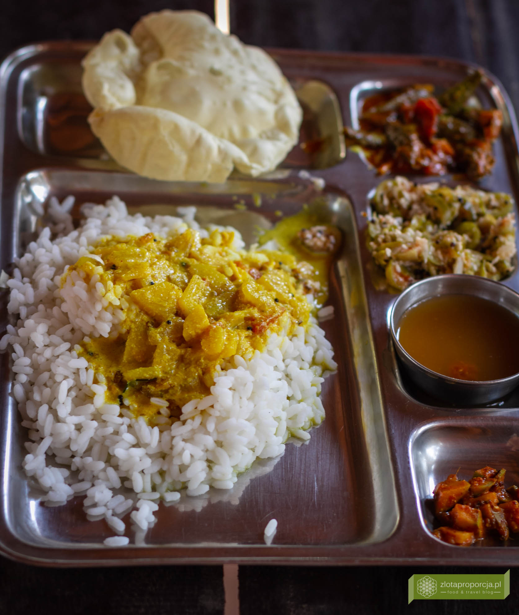 Indie, kuchnia indyjska, indyjskie potrawy, thali