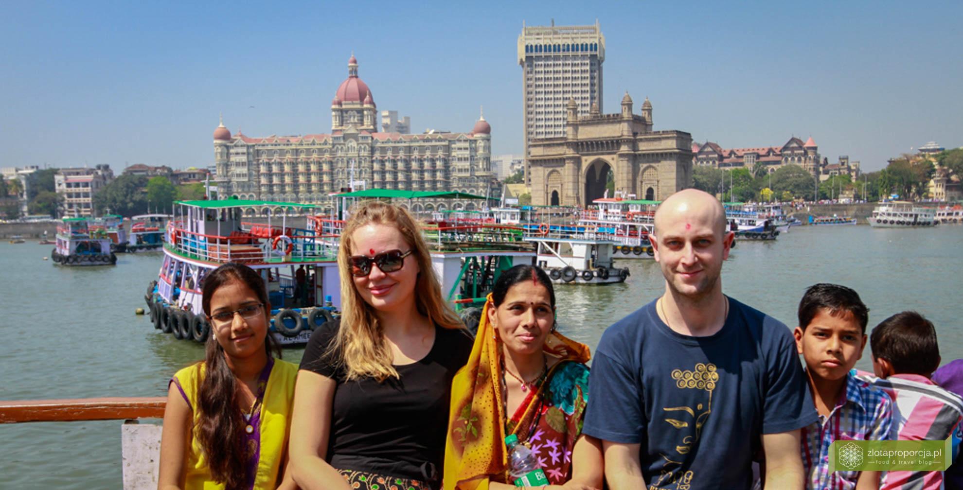 Indie, życie w Indiach,; Mumbaj; atrakcje Mumbaju, Gateway of India, hotel Taj Mahal;