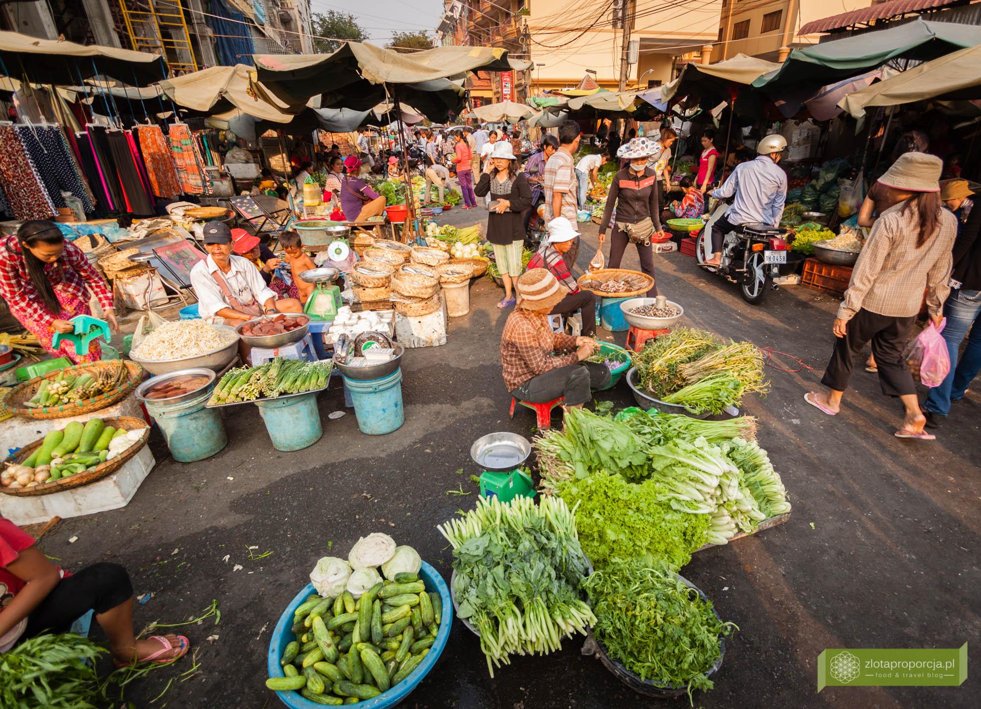 Phnom Penh, Kambodża, życie w Kambodży; życie w Phnom Penh, targ w Phnom Penh, street food w Phnom Penh, street food w Kambodży