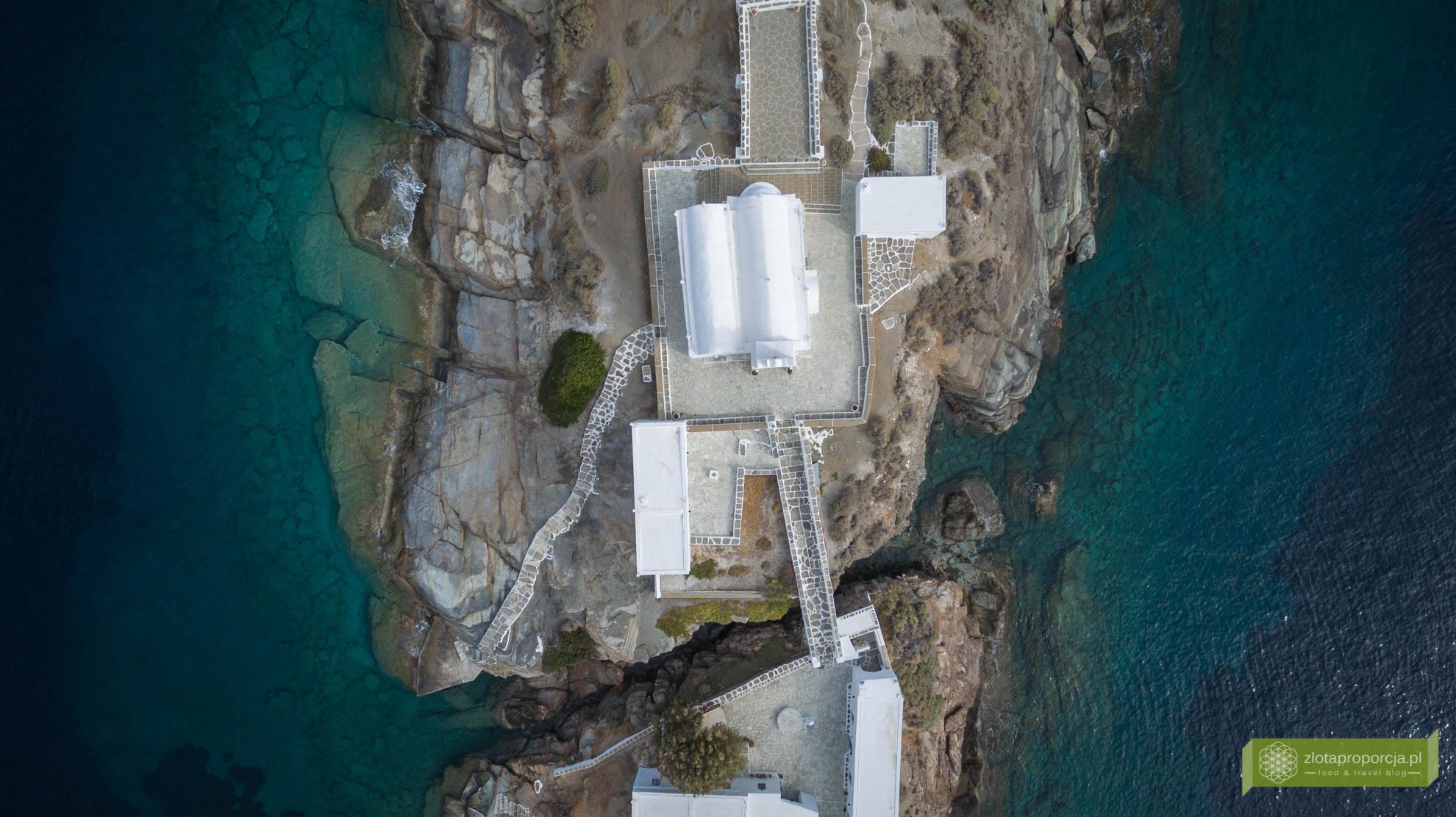 Sifnos, Cyklady, Grecja, Greckie wyspy; Wyspa Sifnos; Cyklady ciekawe miejsca; Klasztor Chrisophigi;