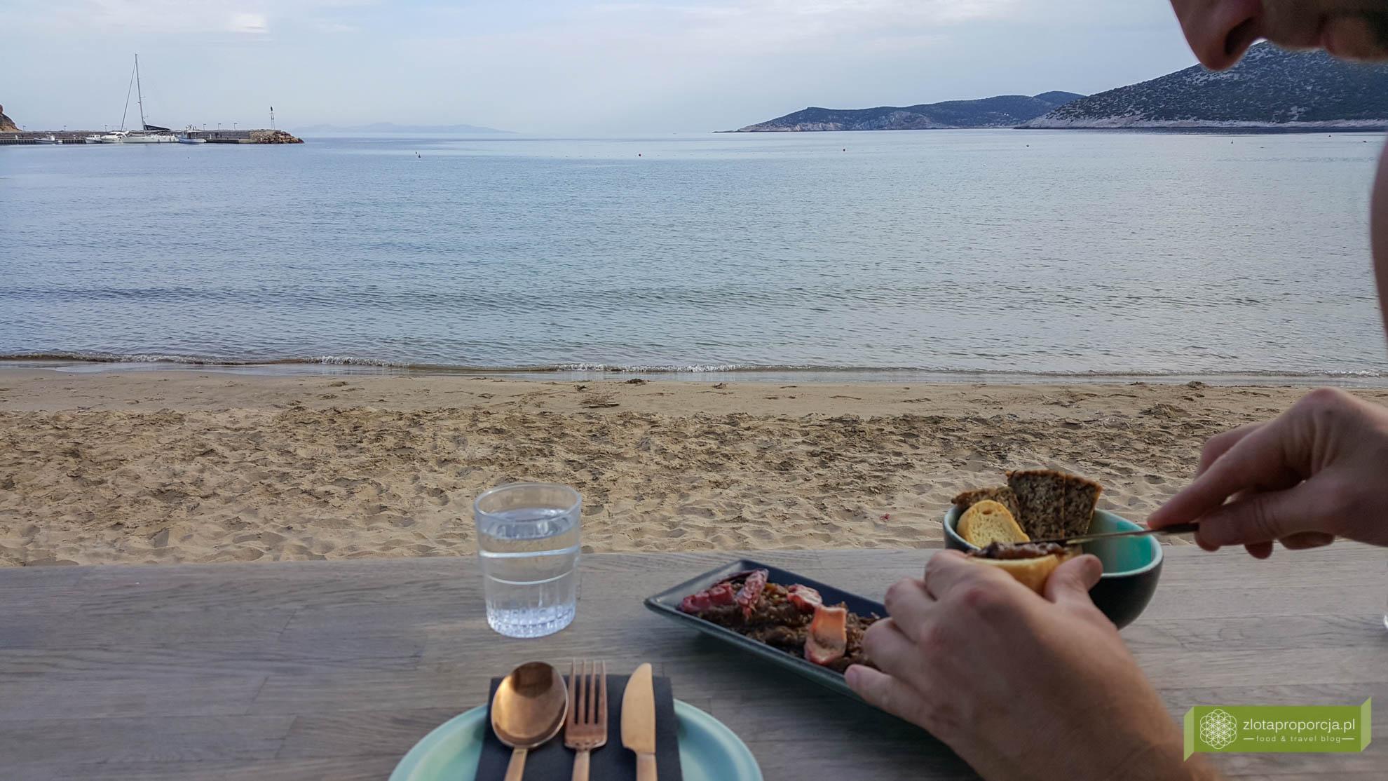 Sifnos, Cyklady, Grecja, Greckie wyspy; Wyspa Sifnos; Cyklady ciekawe miejsca; Platis Gialos, plaża Sifnos, plaża Platis Gialos;