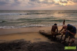 Varkala, Indie, Kerala, ciekawe miejsca Indie, atrakcje Kerali, Południowe Indie; czerwone klify, plaża Varkala;