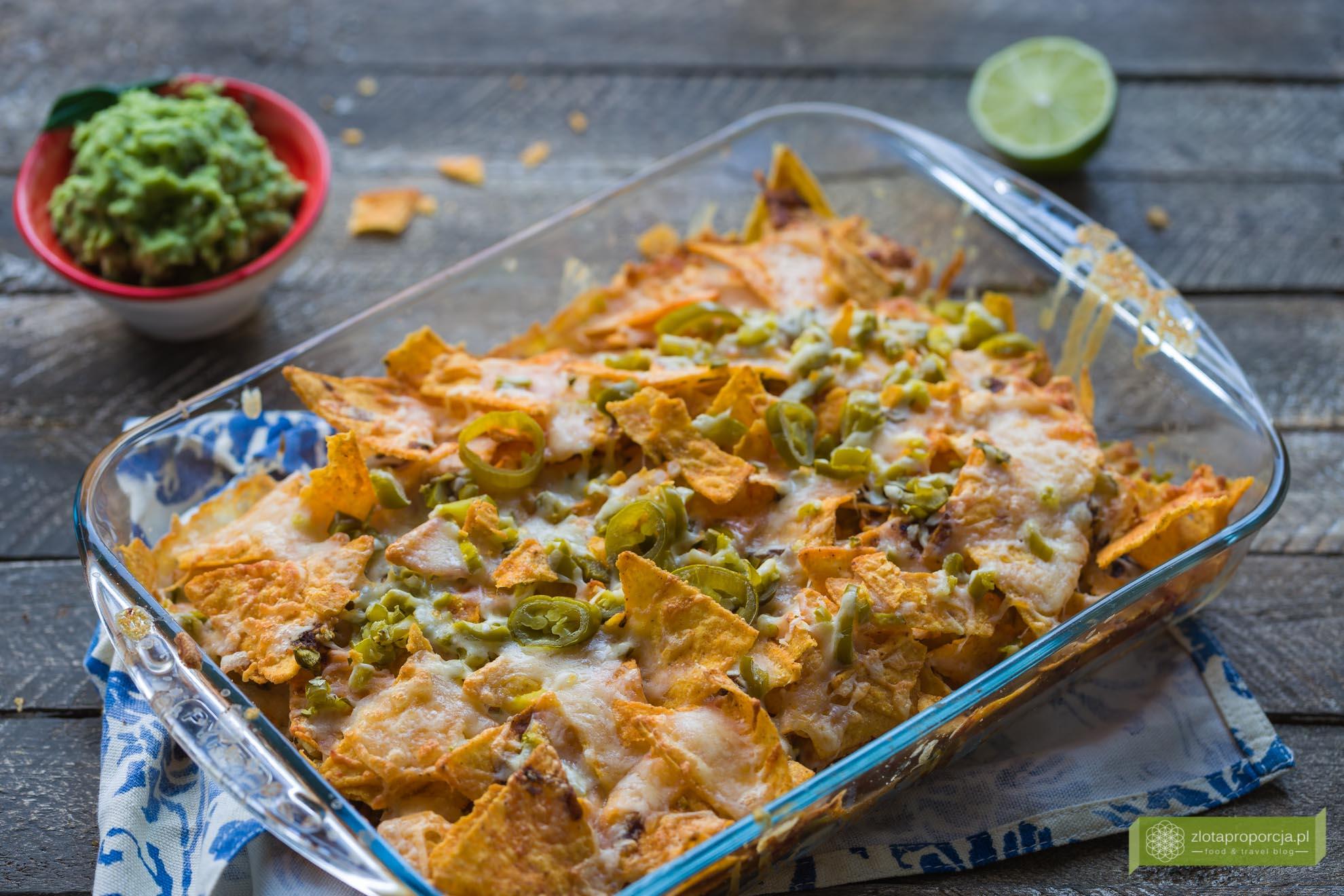 guacamole, nachosy z guacamole, kuchnia meksykańska, meksykańska salsa, salsa z awokado;