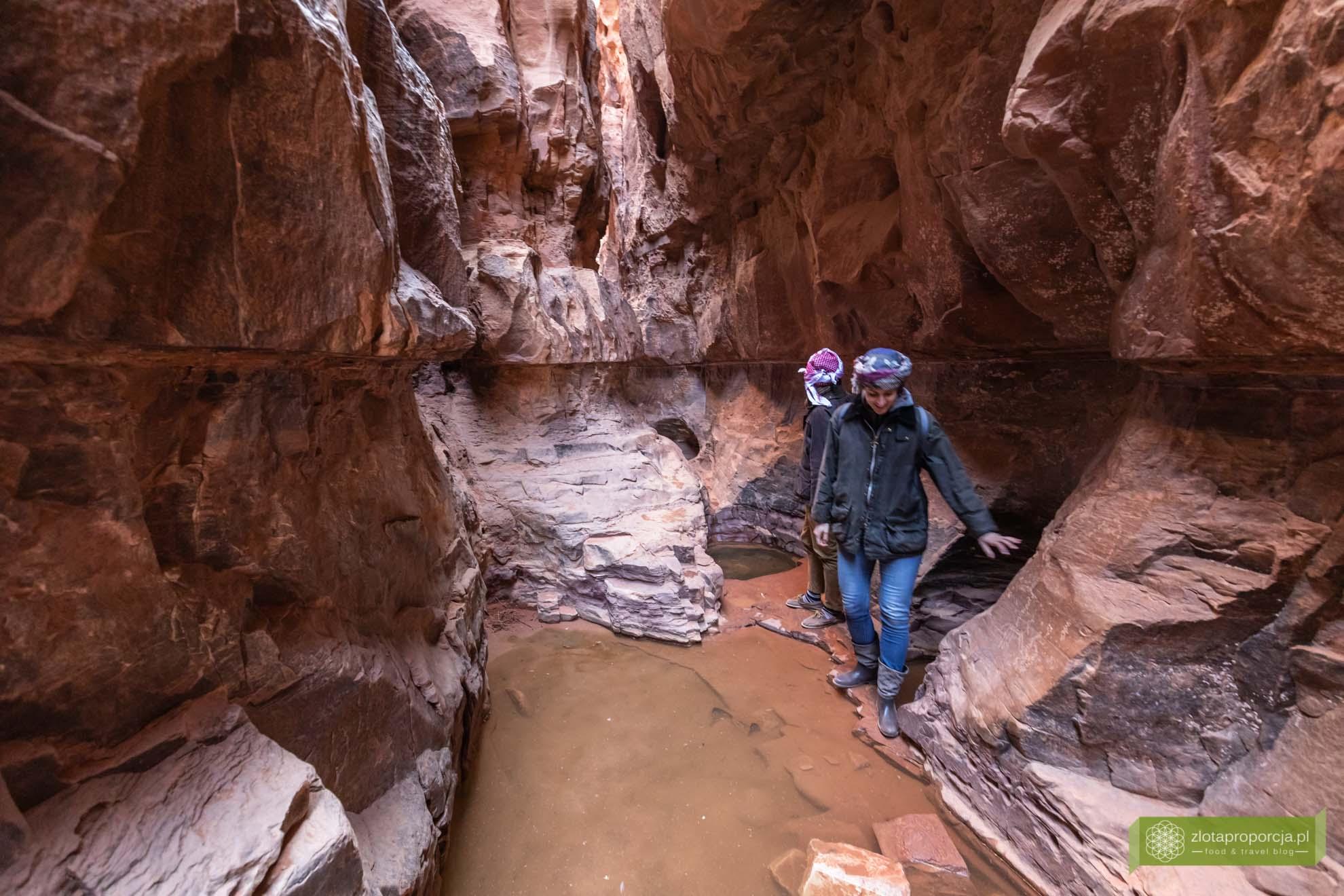 Wadi Rum, pustynia Wadi Rum, Jordania, pustynia Jordania; Wadi rum wycieczka, Wadi Rum zwiedzanie, Jordania atrakcje; Kanion Khazali;