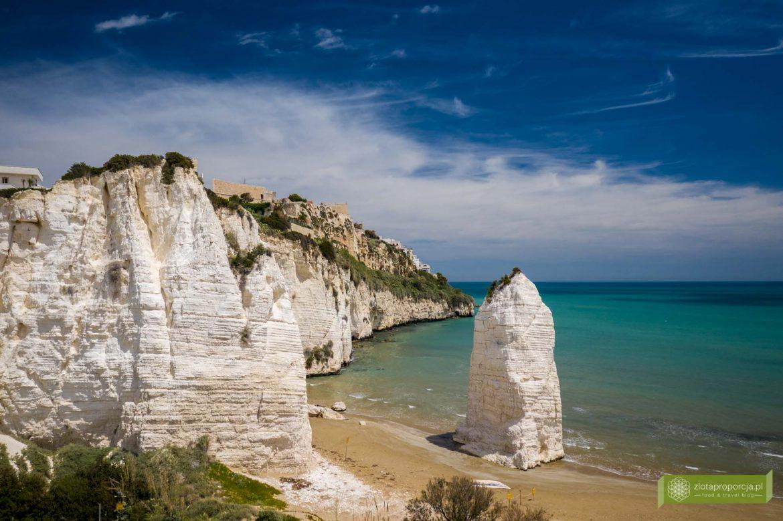 Vieste; Gargano; Apulia; atrakcje Gargano; Vieste Gargano, co zobaczyć na Gargano; atrakcje Apulii; Plaża Pizzomunno; Pizzomunno; Pizzomunno Vieste; plaże Vieste; plaże Gargano; plaże Apulii;