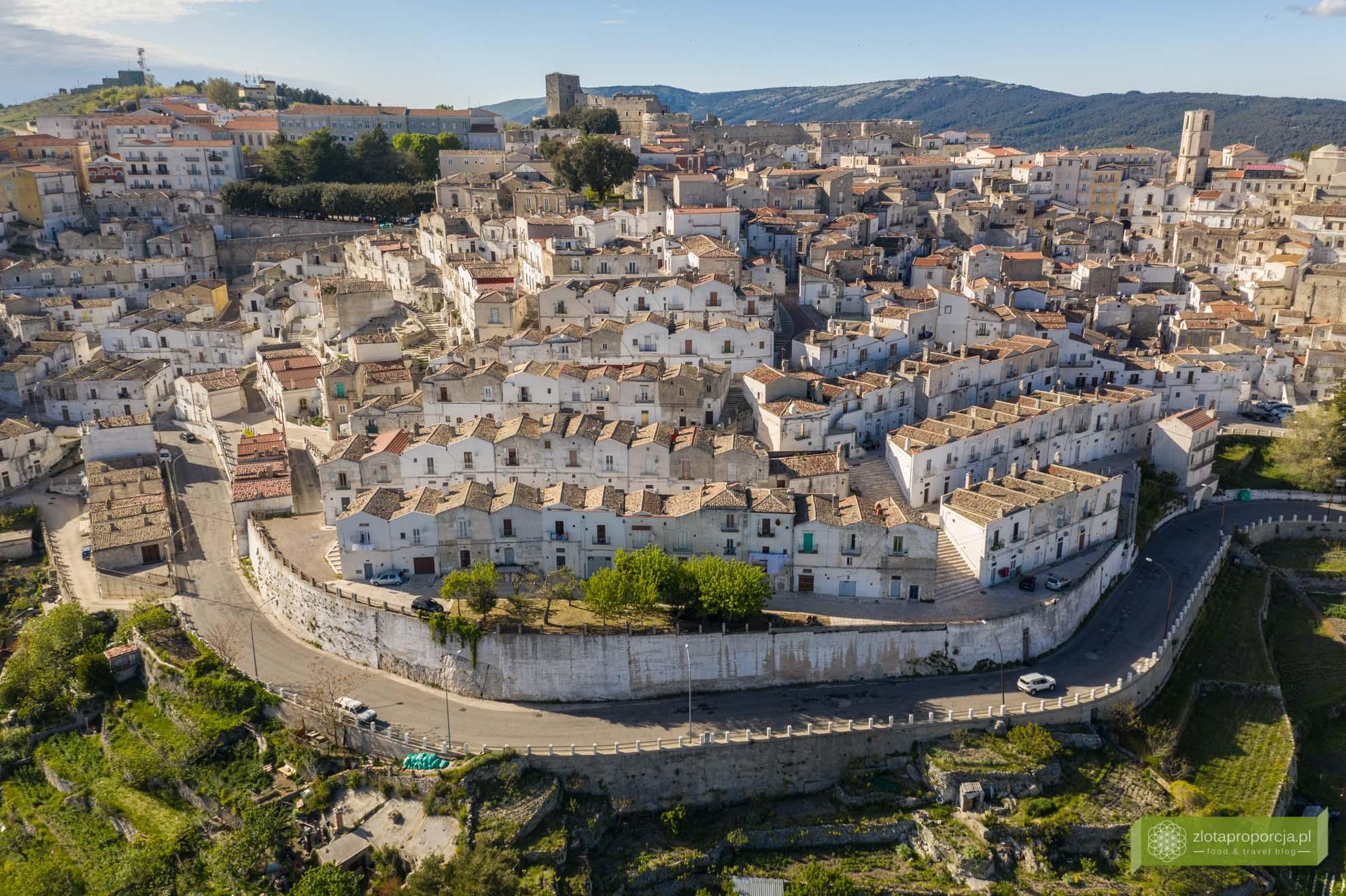 Gargano; Apulia; atrakcje Gargano; co zobaczyć na Gargano; atrakcje Apulii; Monte Sant'Angelo; dzielnica Junno;