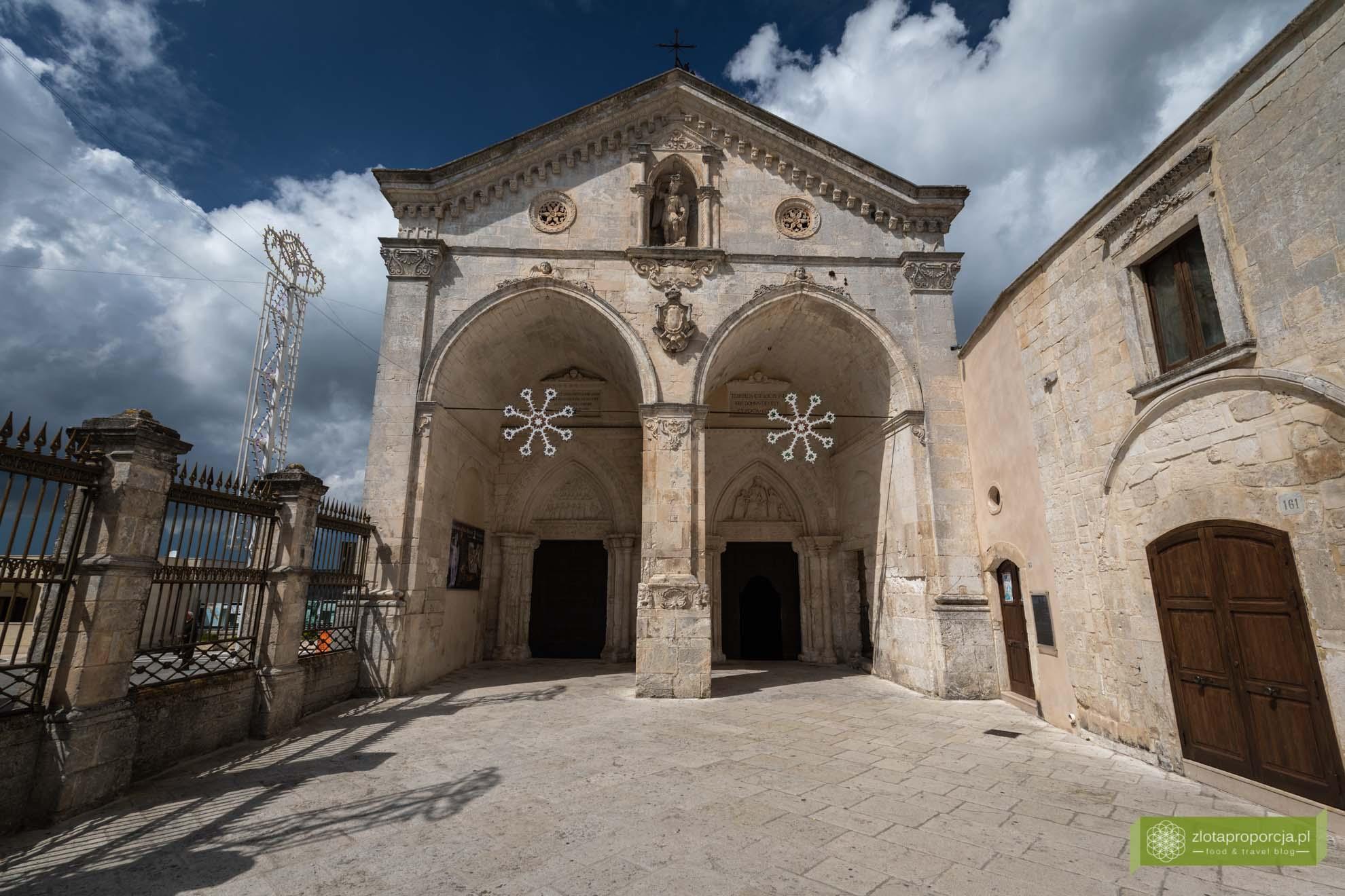 Gargano; Apulia; atrakcje Gargano; co zobaczyć na Gargano; atrakcje Apulii; Monte Sant'Angelo; sanktuarium św. Michała Archanioła;