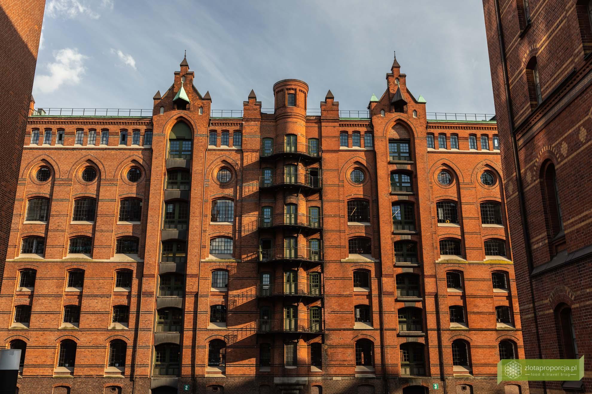 Hamburg, atrakcje Hamburga, Niemcy; Miasto Spichlerzy; dzielnica Spichlerzy w Hamburgu; spichlerze Hamburg;